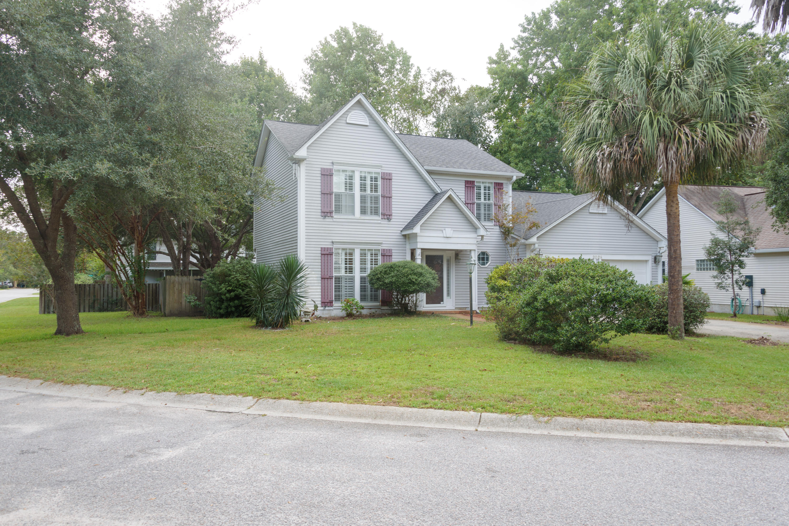 Waters Edge Homes For Sale - 2028 Country Manor, Mount Pleasant, SC - 21