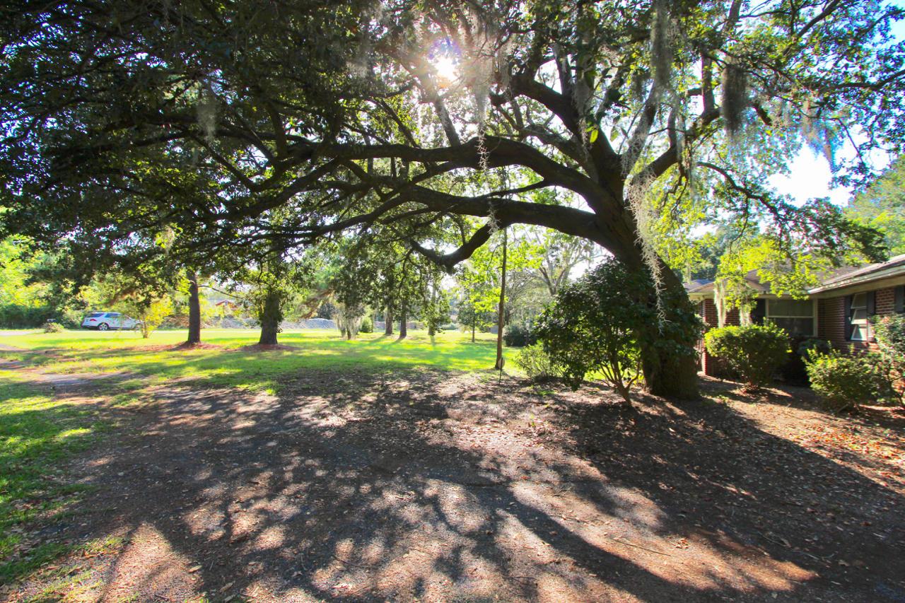 1228 Melvin Bennett Road Mount Pleasant, SC 29464