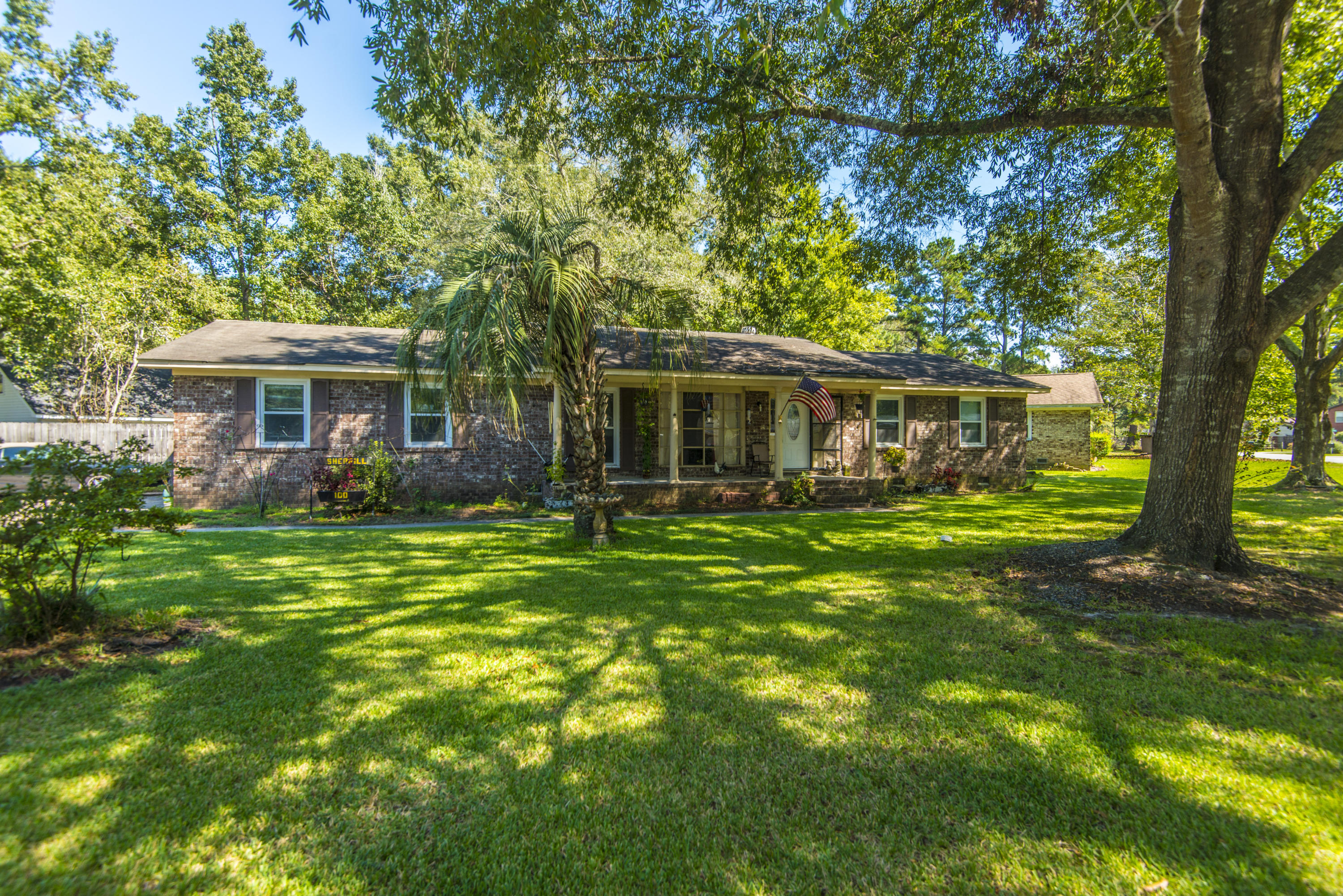100 Three Iron Drive Summerville, SC 29483