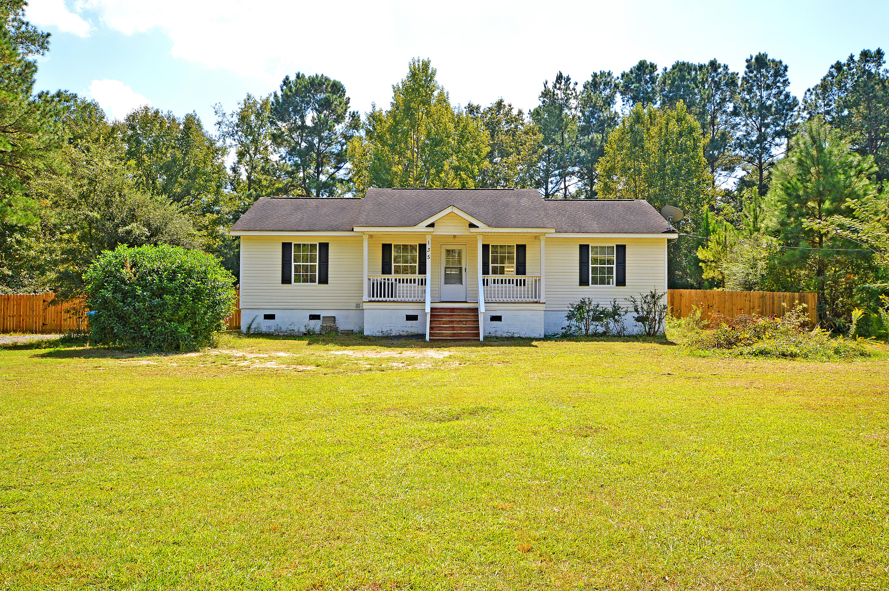 135 Lazy Acres Loop Summerville, SC 29483
