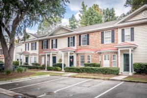 4000 Radcliffe Place Drive, Charleston, SC 29414