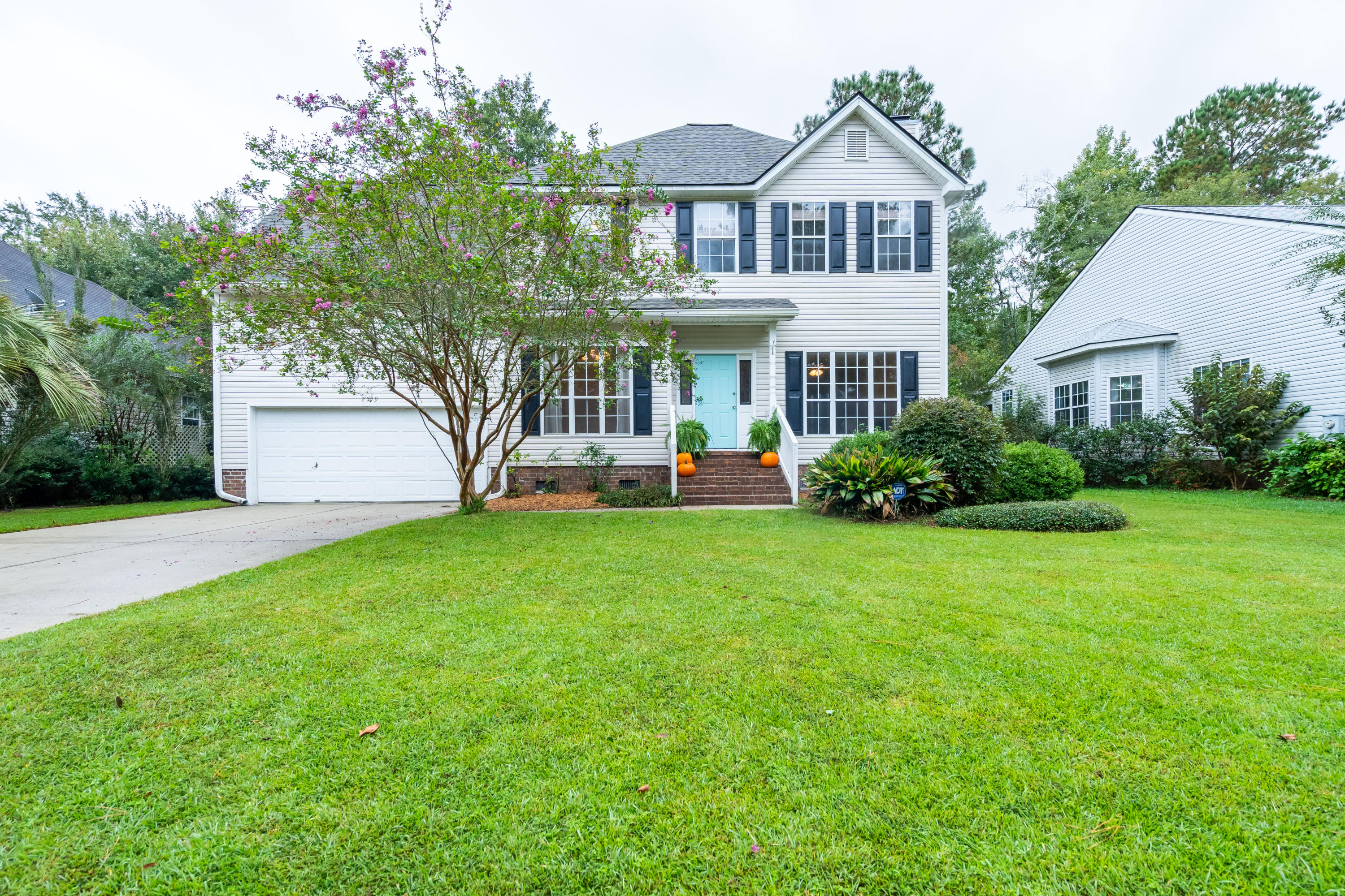 2519 Woodstream Road Mount Pleasant, SC 29466
