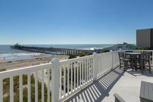 111 Arctic Avenue, Folly Beach, SC 29439