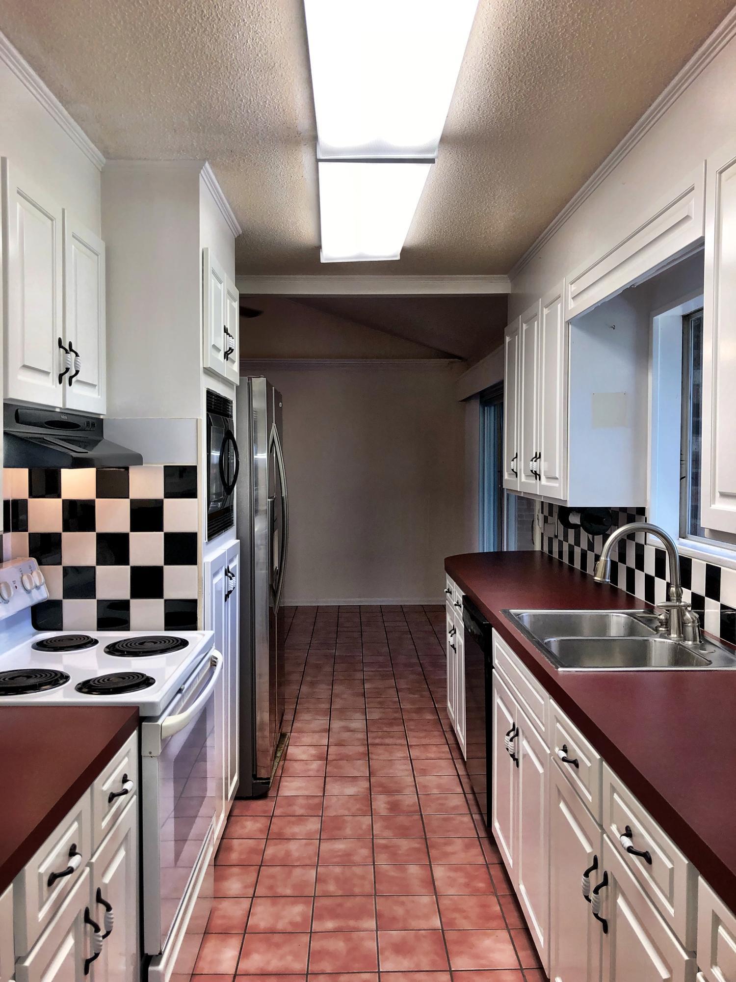 Lake Moultrie Shores Homes For Sale - 219 Lake Moultrie, Bonneau, SC - 24