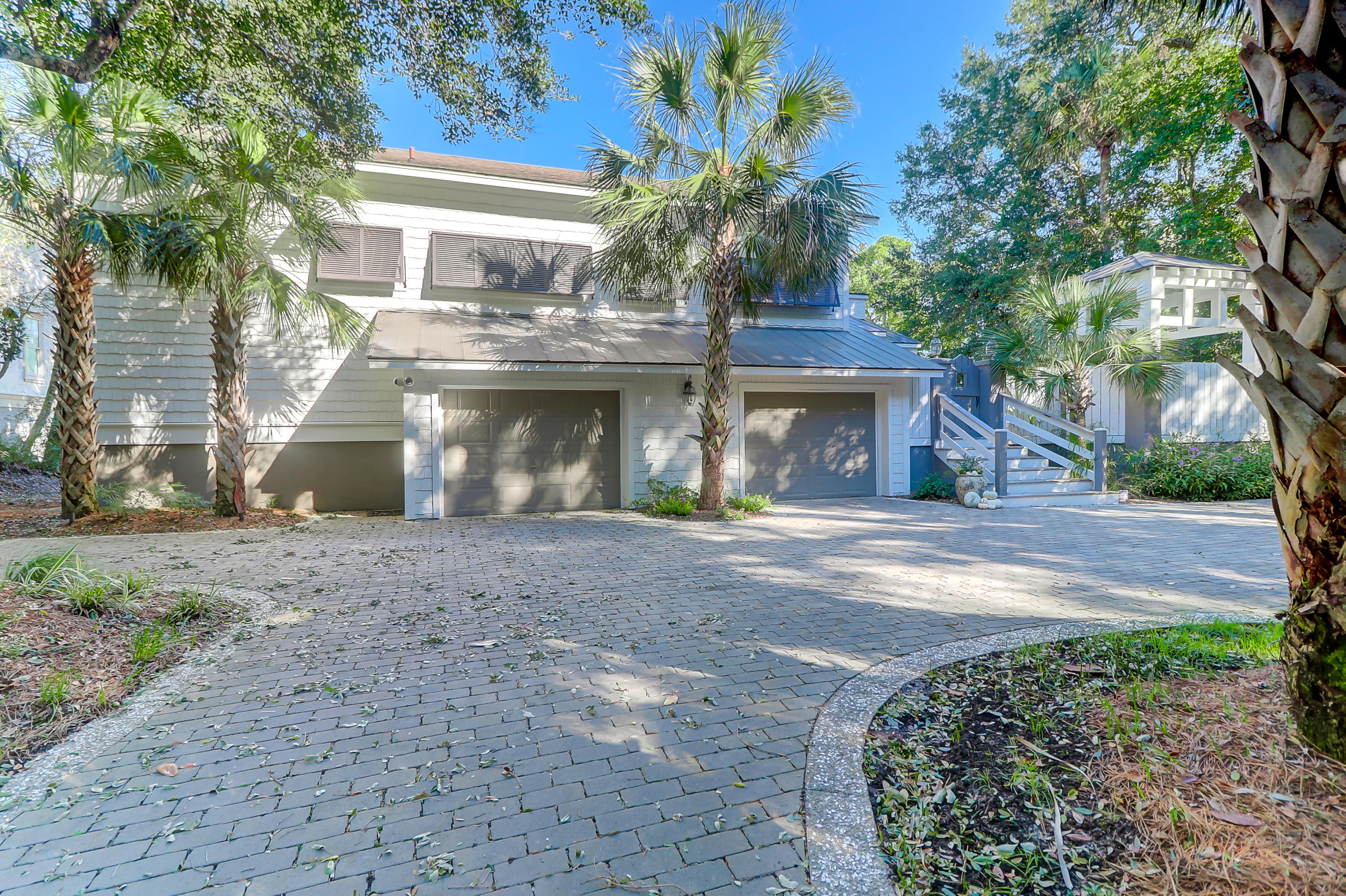 19 Edgewater Aly Isle Of Palms, SC 29451
