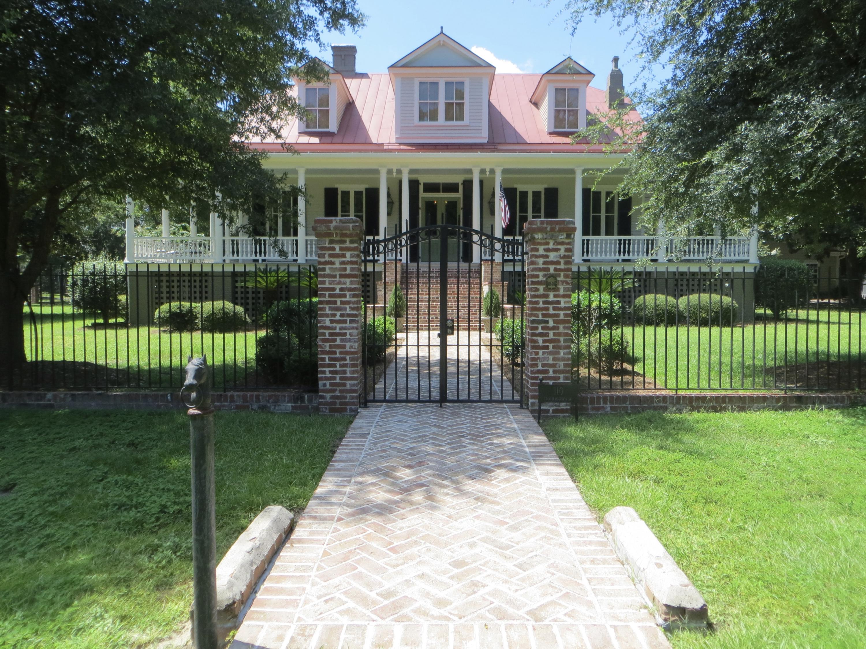 110 S Hickory Street Summerville, SC 29483