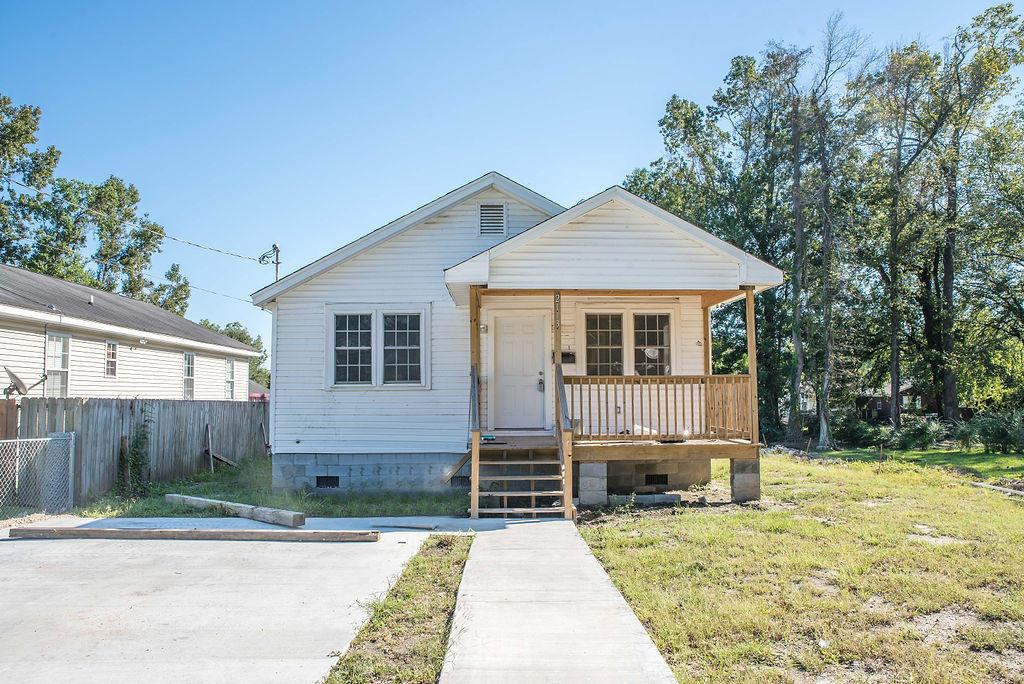 2113 James Bell Drive North Charleston, SC 29406