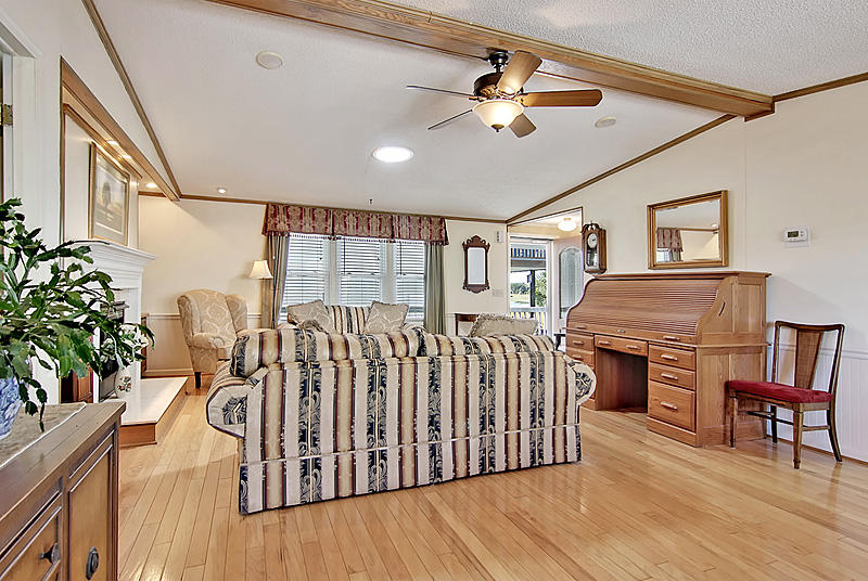 Riverfront Homes For Sale - 1584 Teal Marsh, Charleston, SC - 16