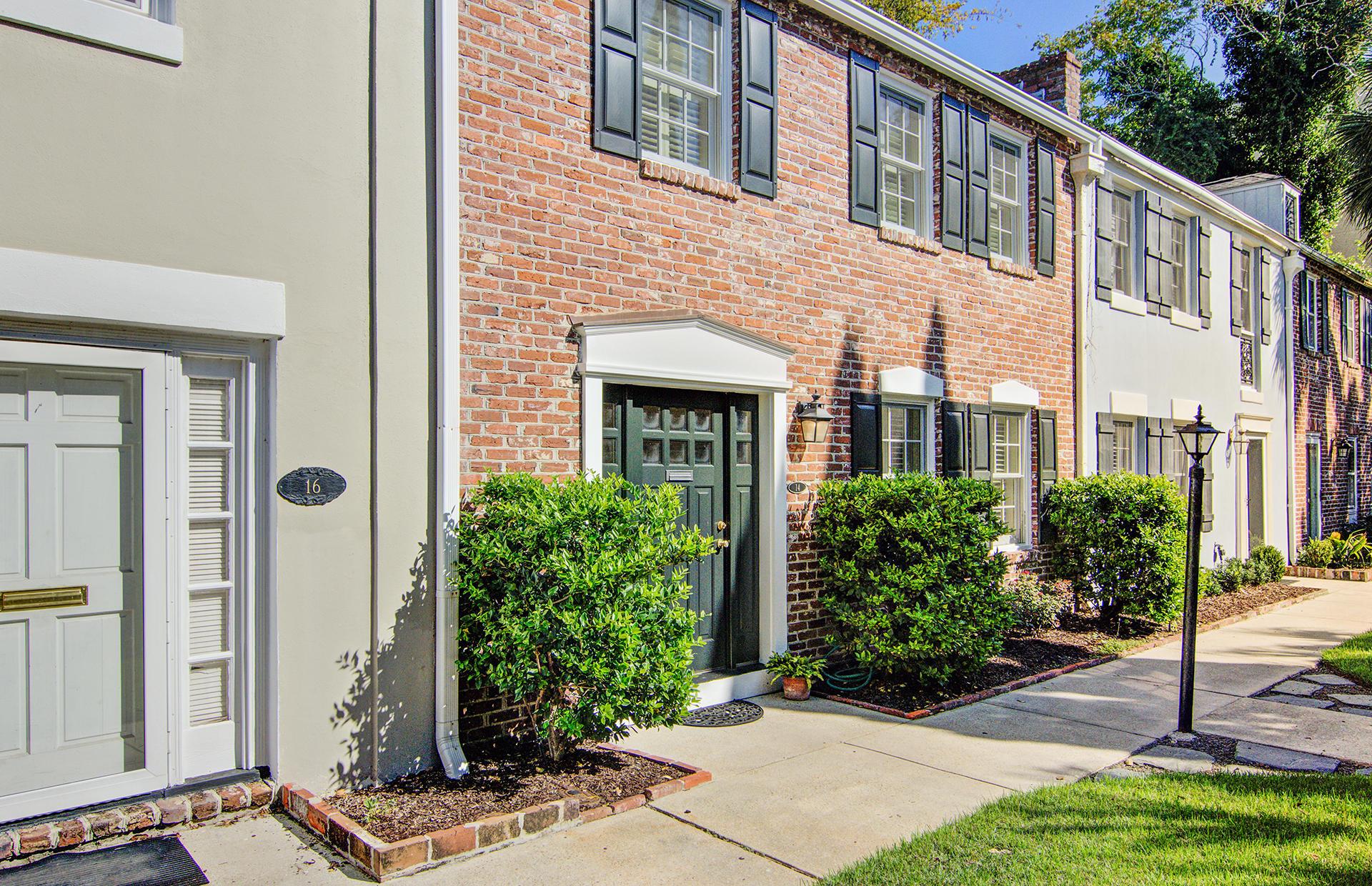 14 Charlestowne Court Charleston, SC 29401