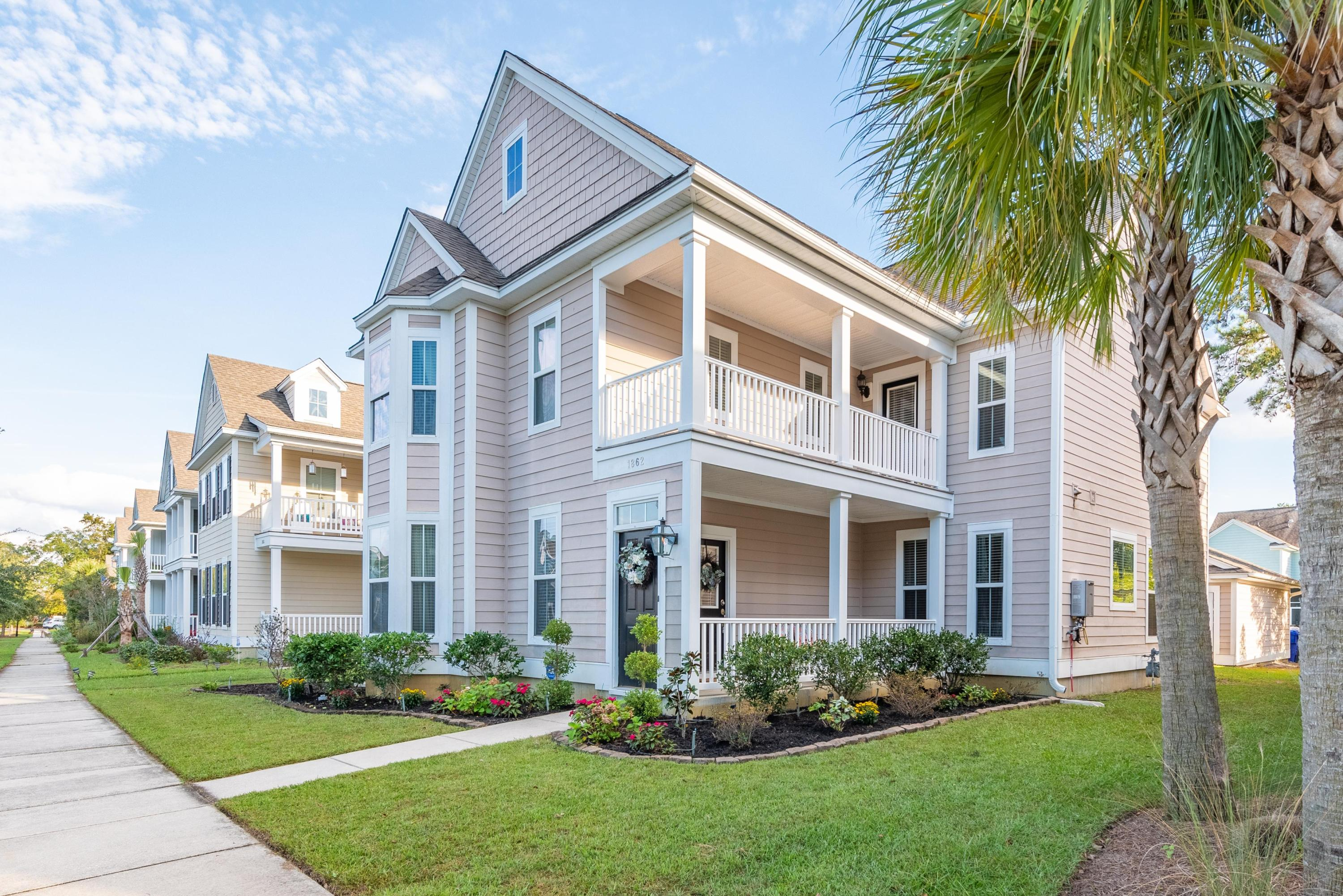 1862 Carolina Bay Drive Charleston, SC 29414