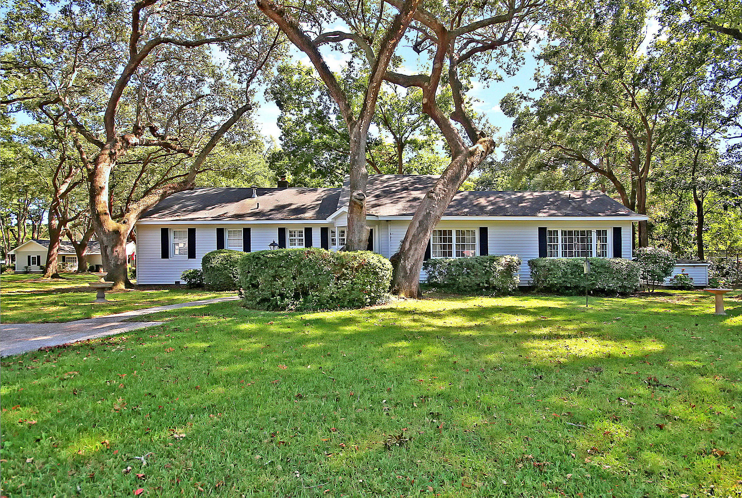 1433 Hale Road Mount Pleasant, SC 29464