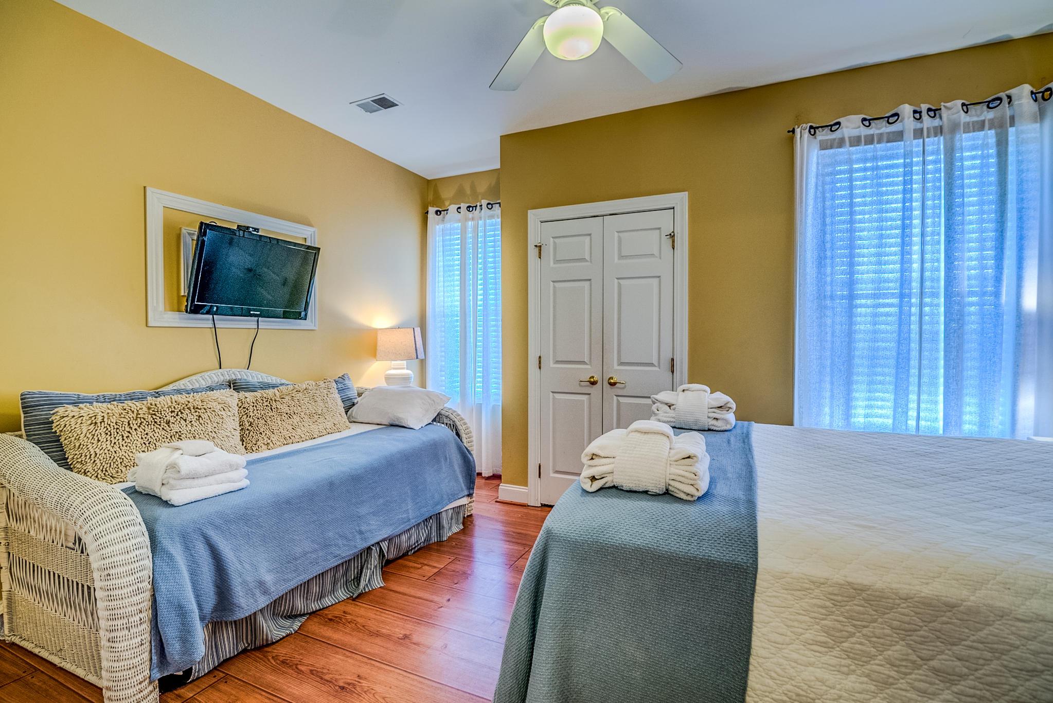 Ocean Pointe Villas Homes For Sale - 214 Arctic, Folly Beach, SC - 7