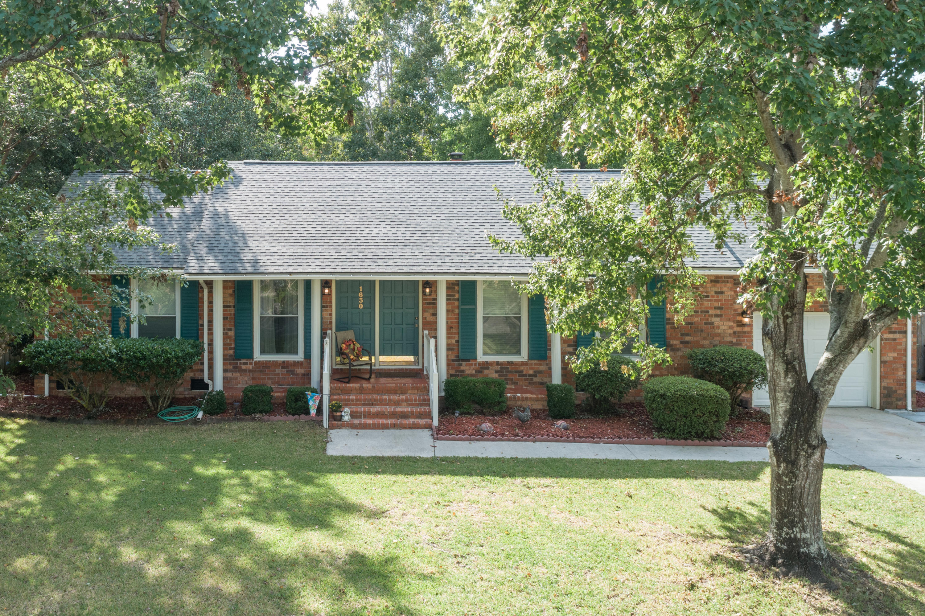 1630 Longview Road Mount Pleasant, SC 29464