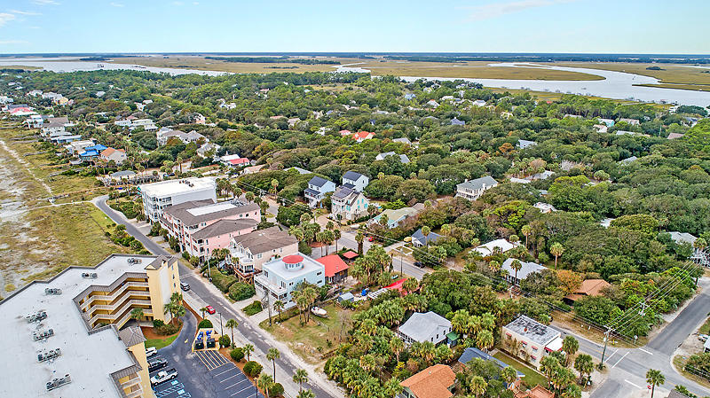 206 W Arctic Avenue Folly Beach, SC 29439