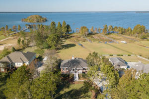 2046 Lake Shore Drive