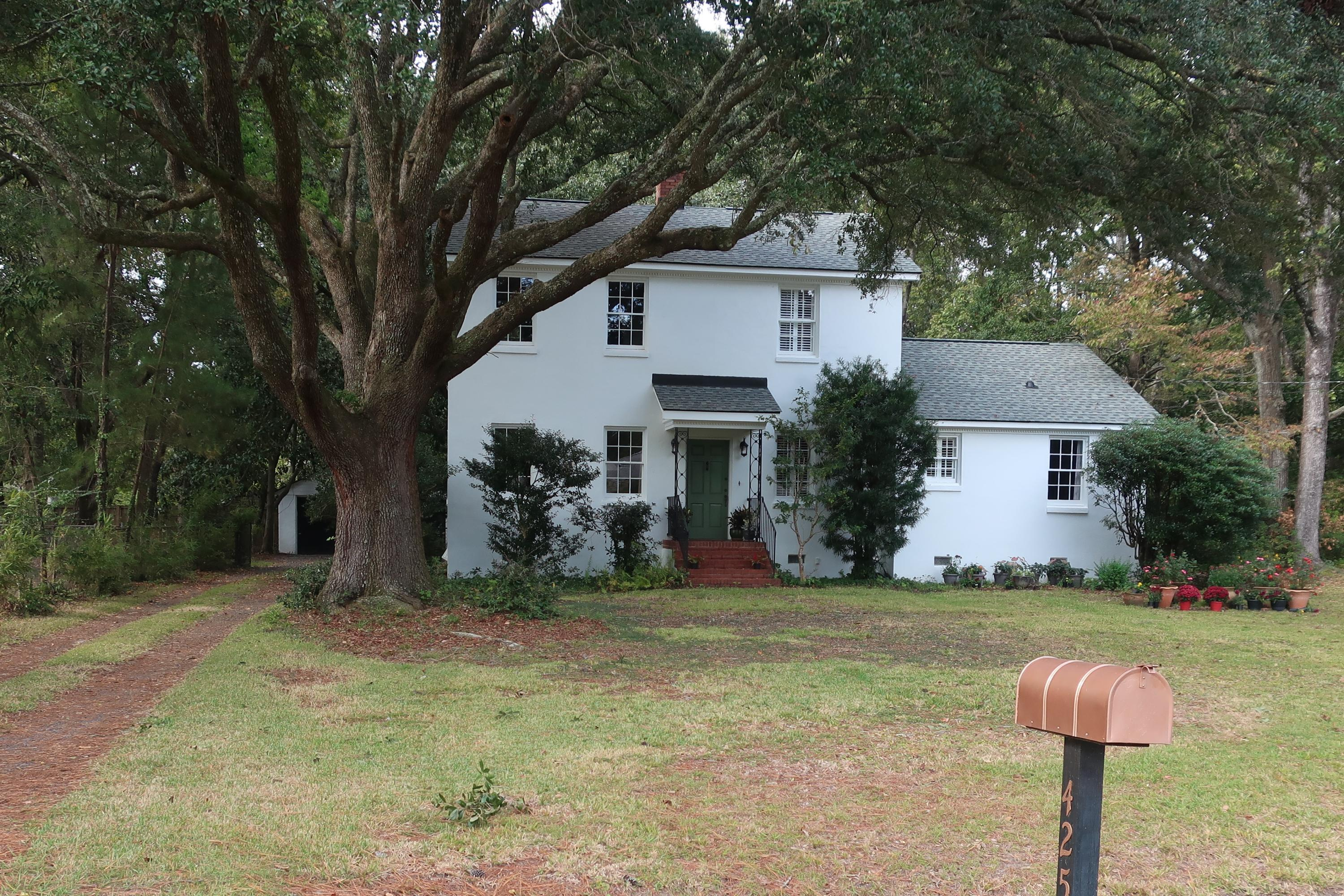 425 Geddes Avenue Charleston, SC 29407