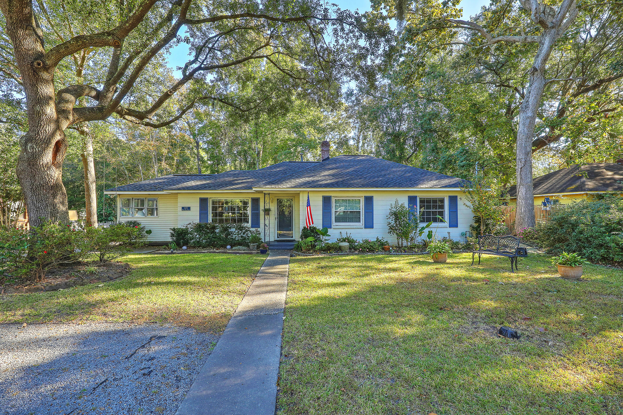 672 W Oak Forest Drive Charleston, SC 29407