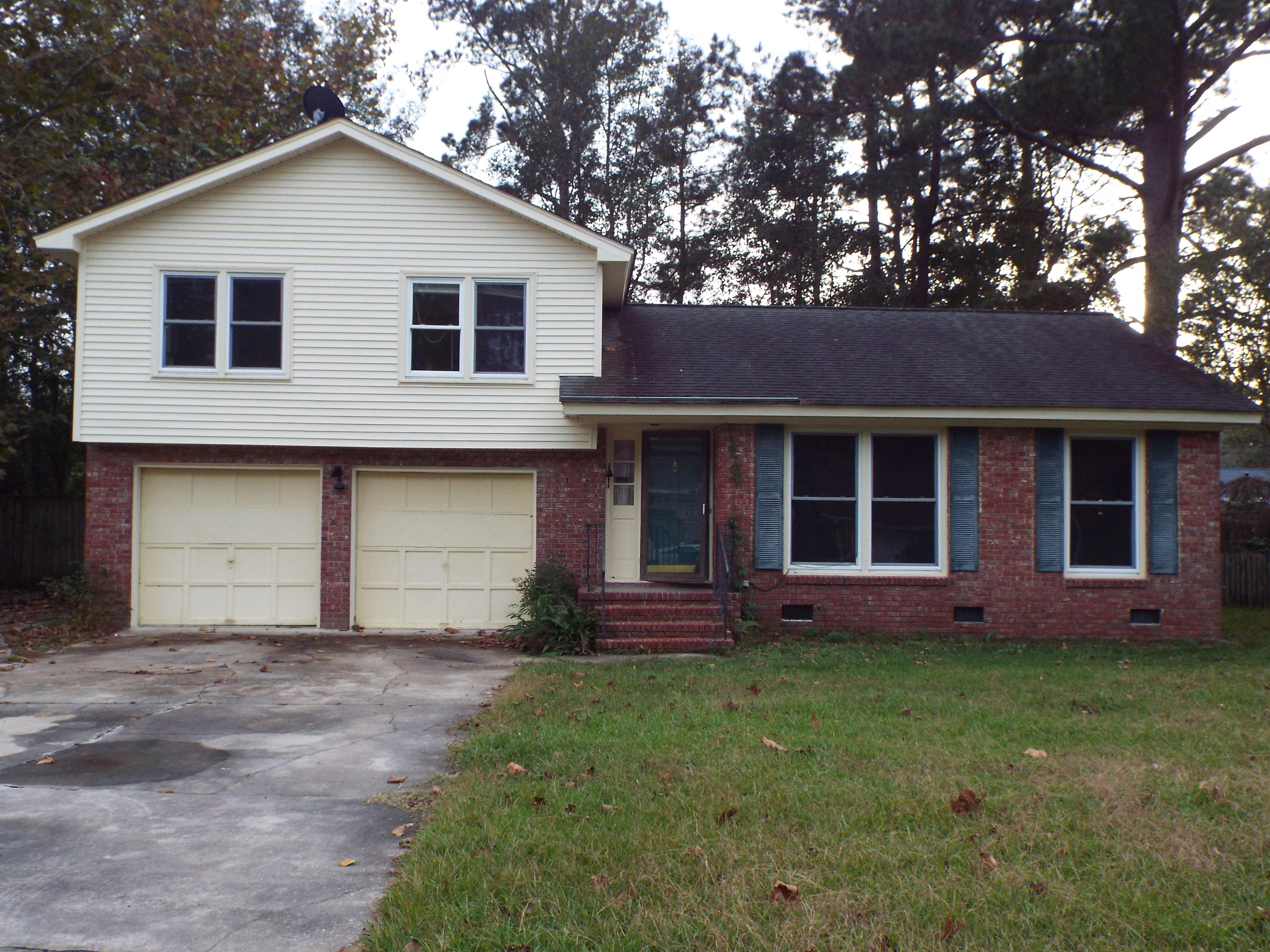 110 Six Iron Lane Summerville, SC 29483
