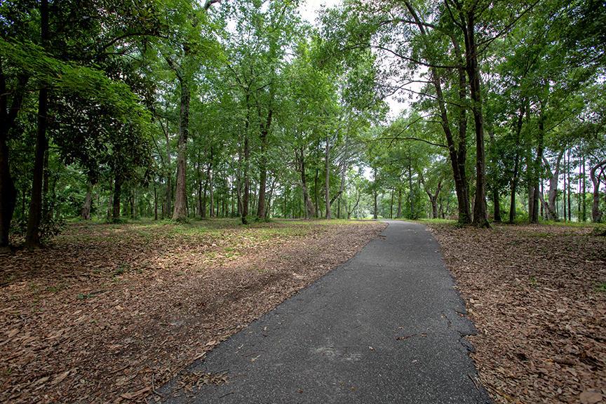 3927 Four Poles Park Drive North Charleston, SC 29405