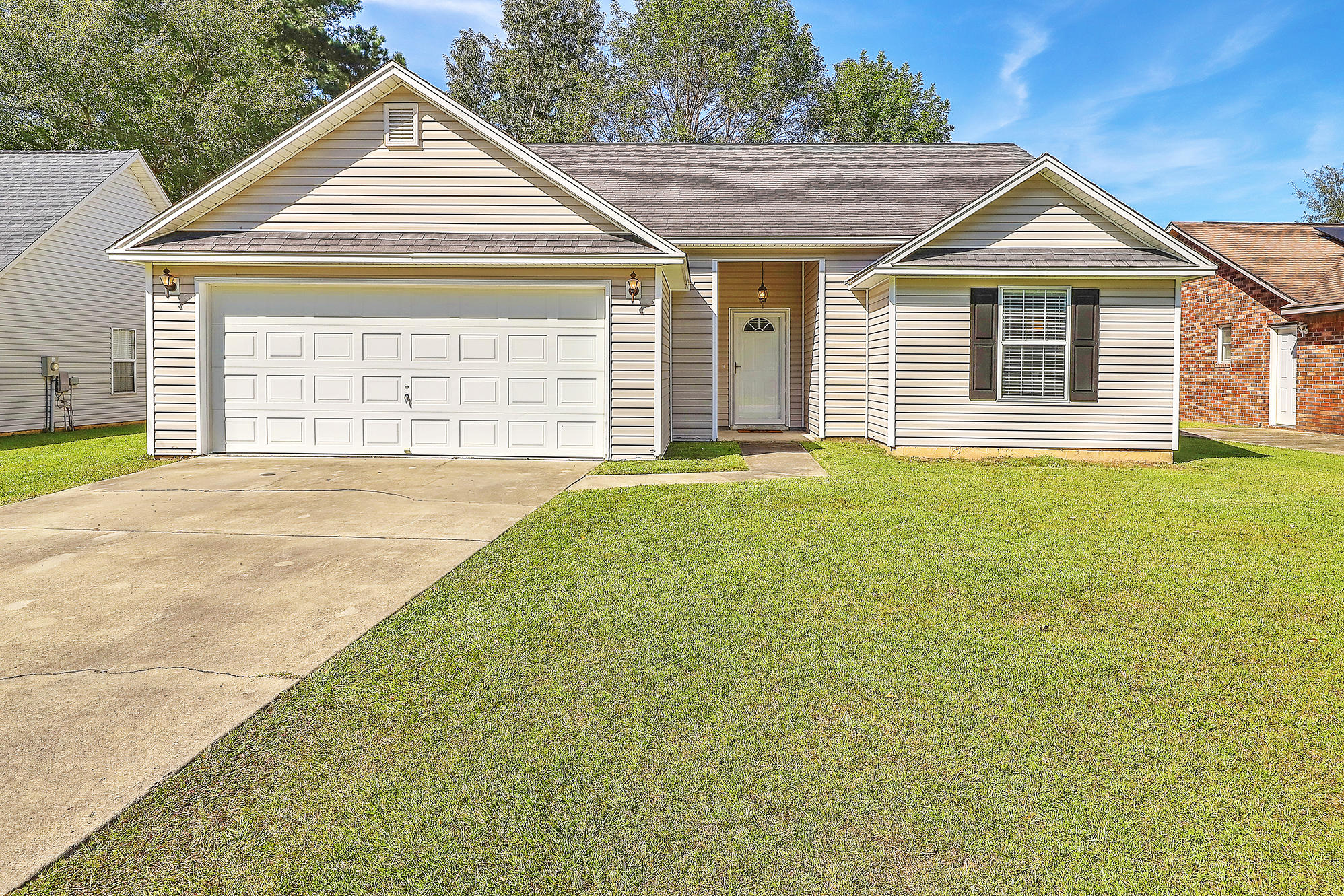 2776 Fernwood Drive North Charleston, SC 29406