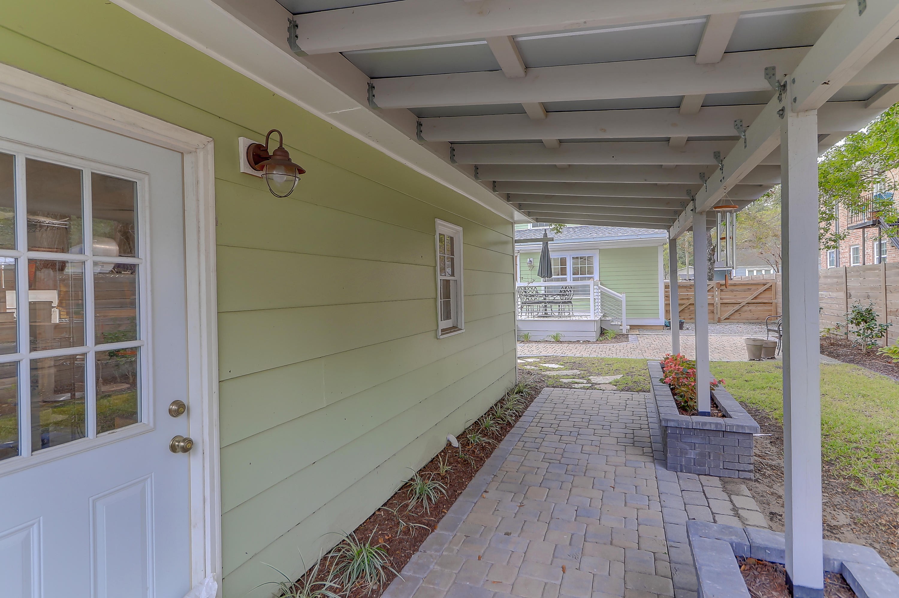 207 Collingwood Avenue Charleston, SC 29407