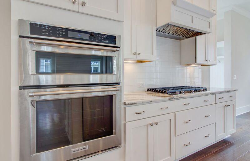 The Oaks Marsh View Homes For Sale - 1139 Kincannon Drive, Mount Pleasant, SC - 11
