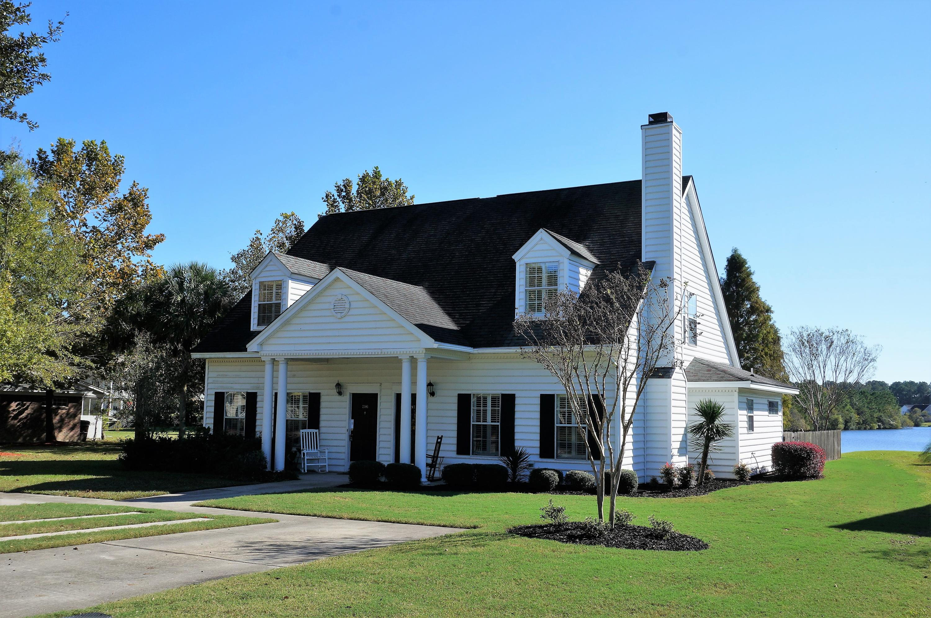 2297 Kings Gate Lane Mount Pleasant, SC 29466