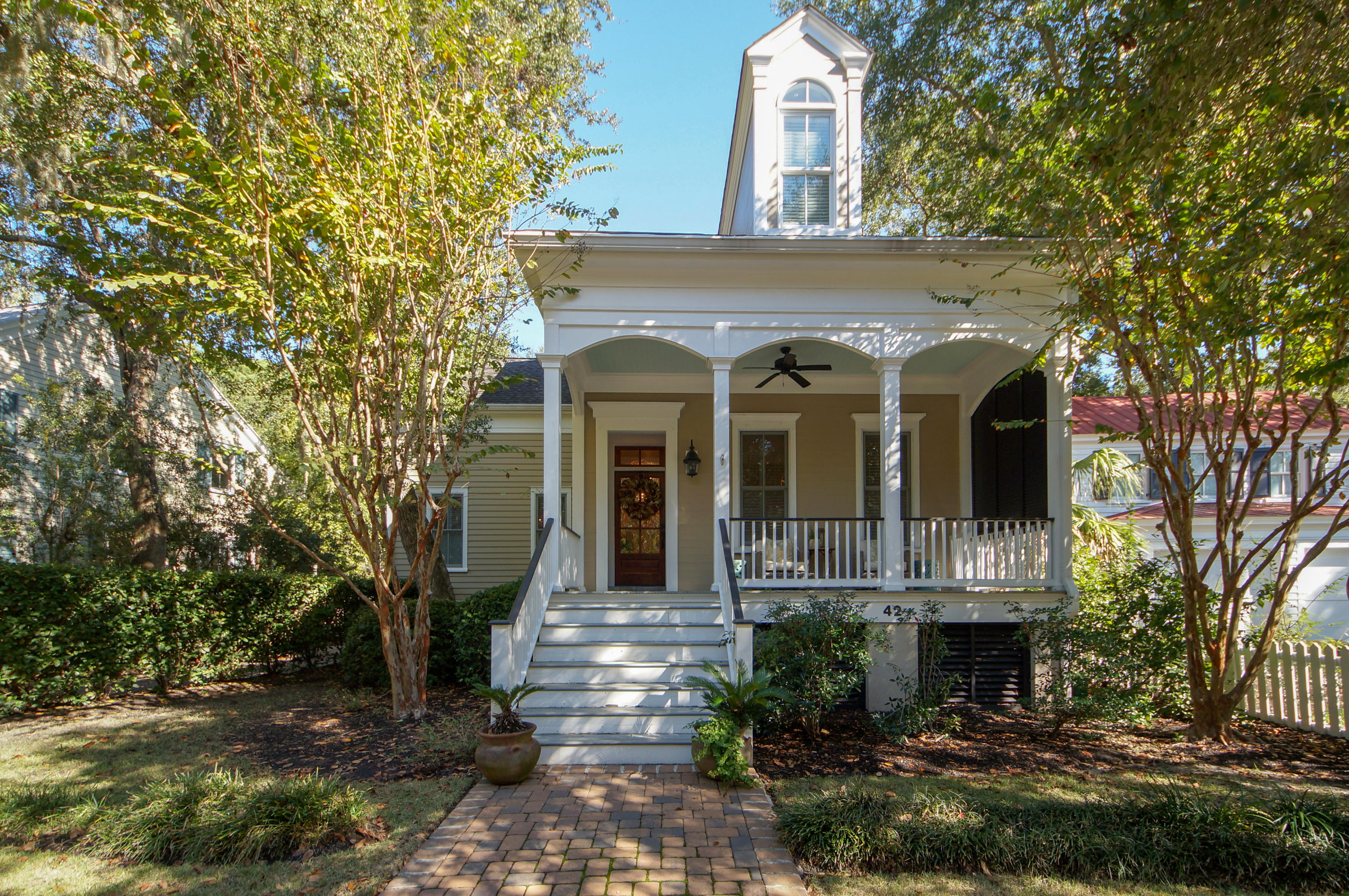 42 Frogmore Road Mount Pleasant, SC 29464