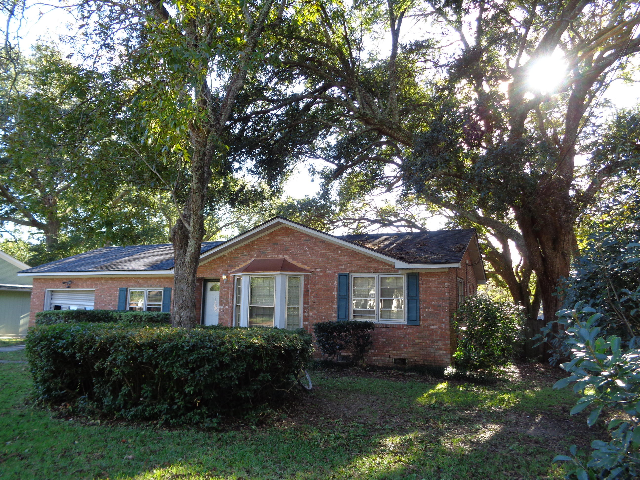 1201 Midvale Avenue Charleston, SC 29412