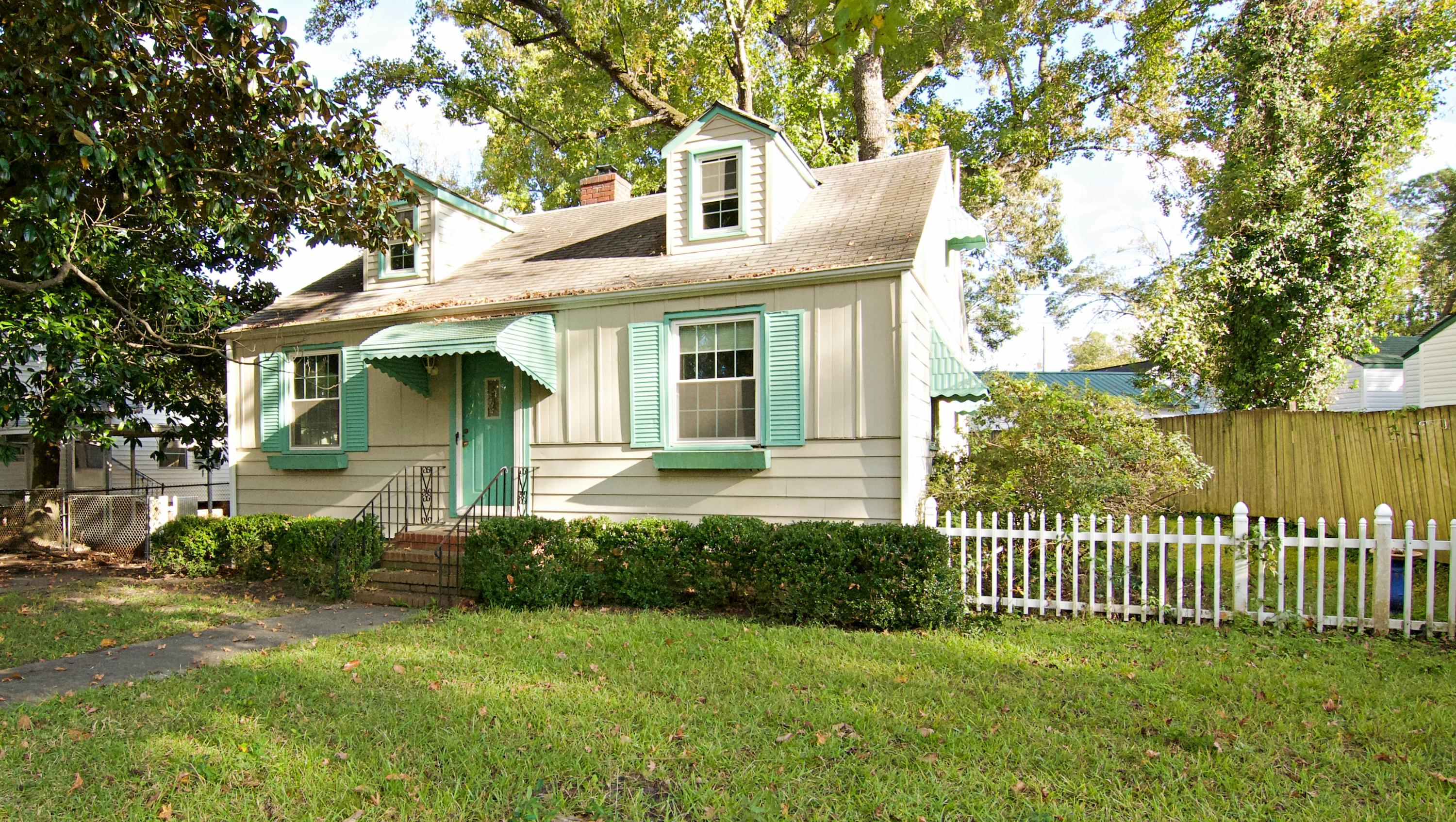 4804 Parkside Drive North Charleston, SC 29405