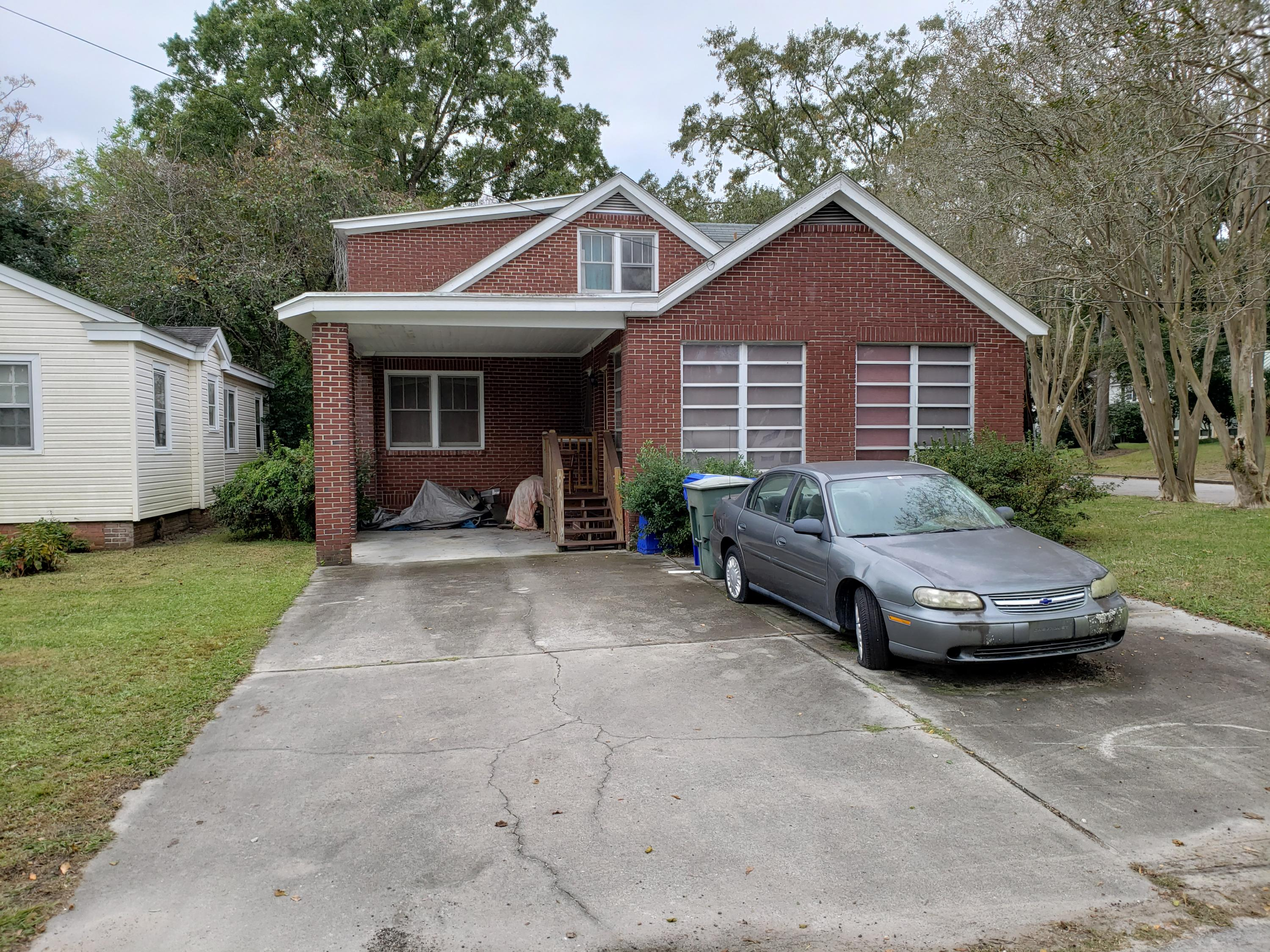 38 Riverside Drive Charleston, SC 29403