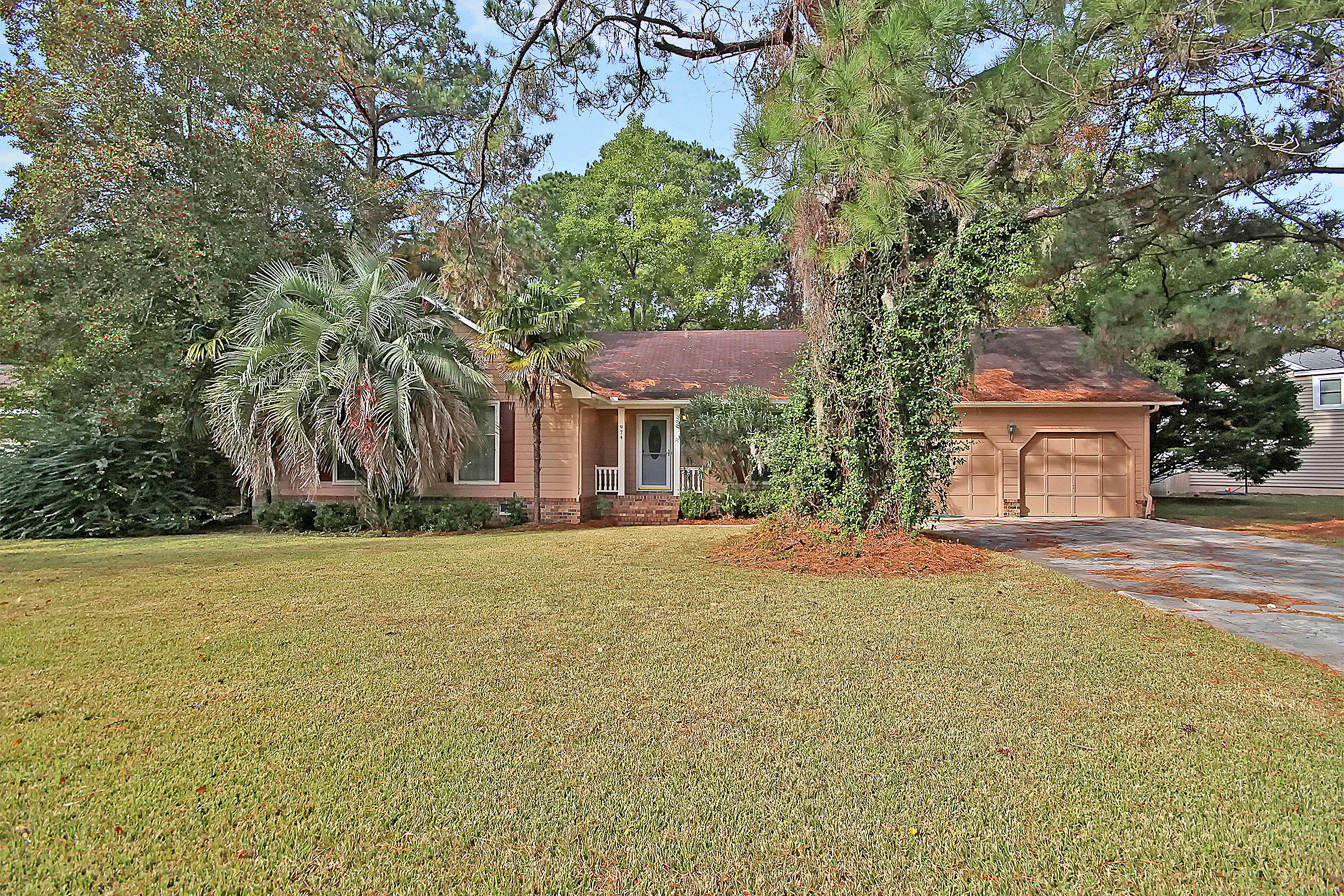 974 Law Lane Mount Pleasant, SC 29464