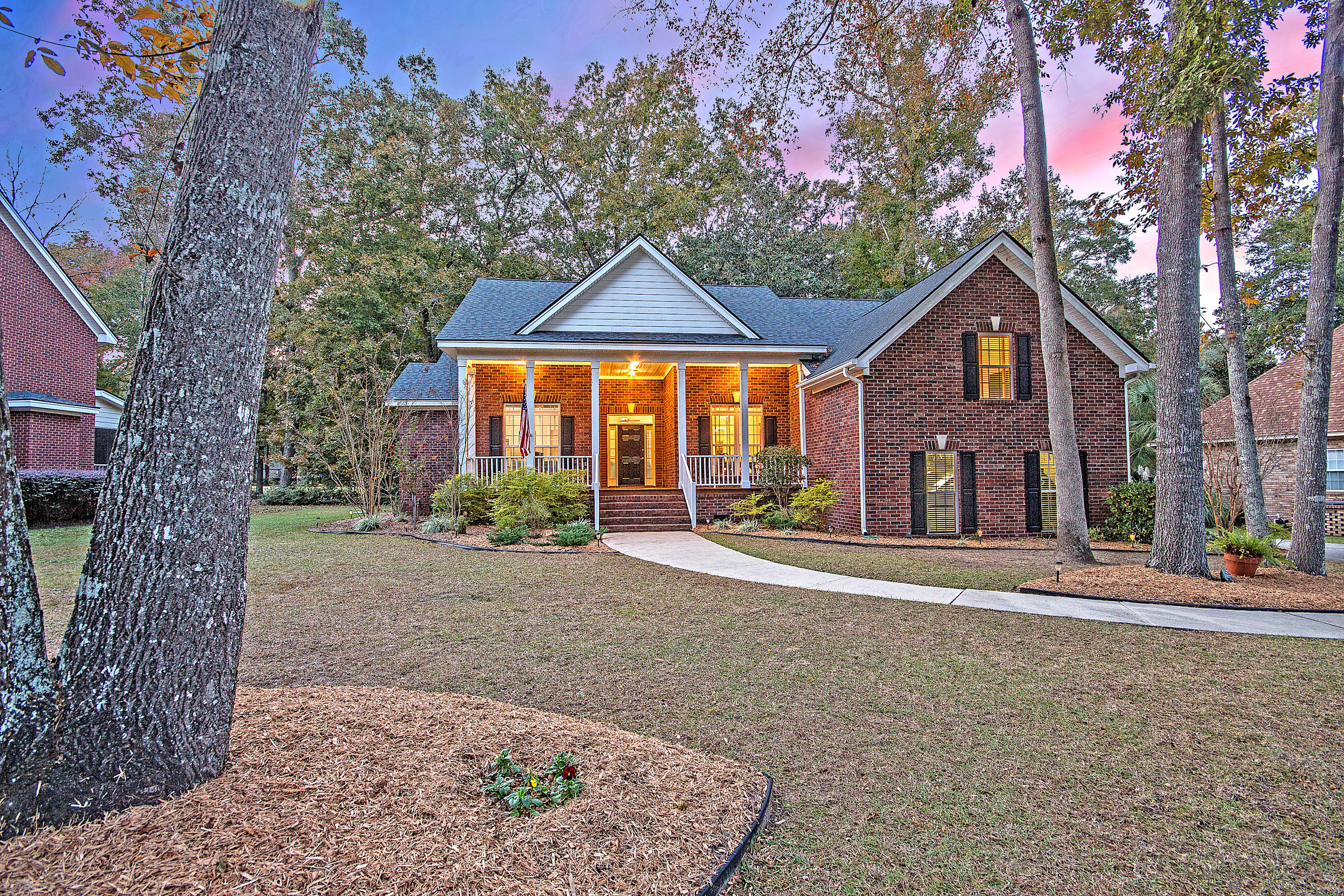 5201 Forest Oaks Drive Hollywood, SC 29449
