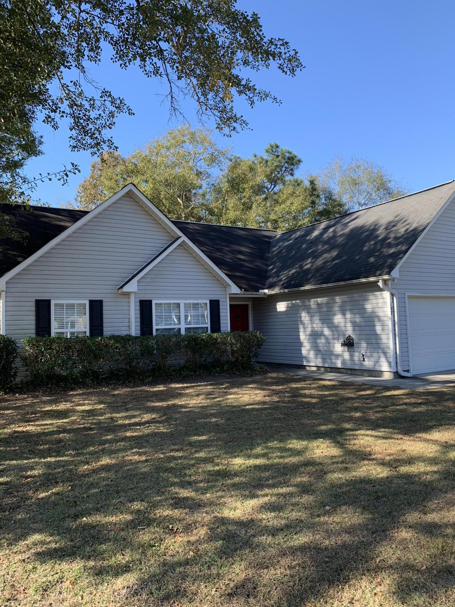 137 Paddock Way Summerville, SC 29486