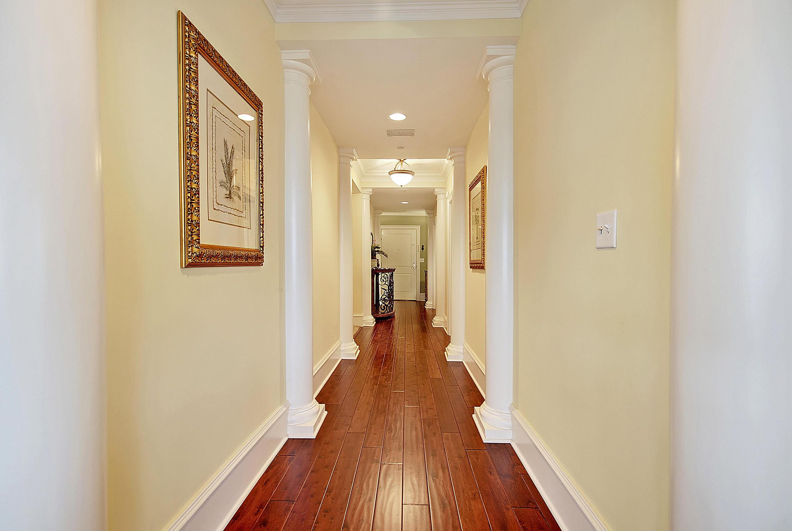 5018 Old Bridgeview Lane Charleston, SC 29403