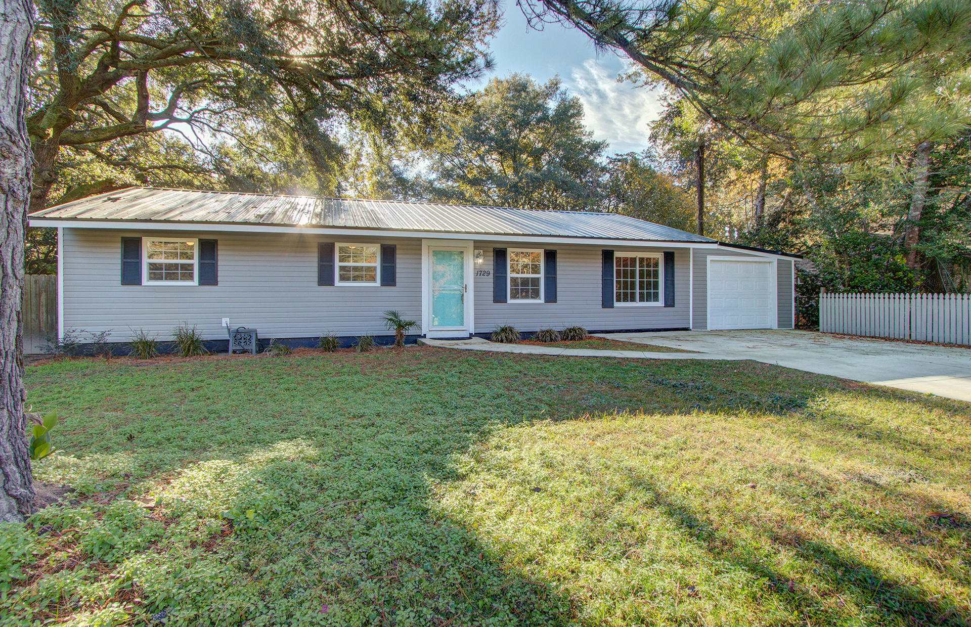 1729 Walpole Way Johns Island, SC 29455