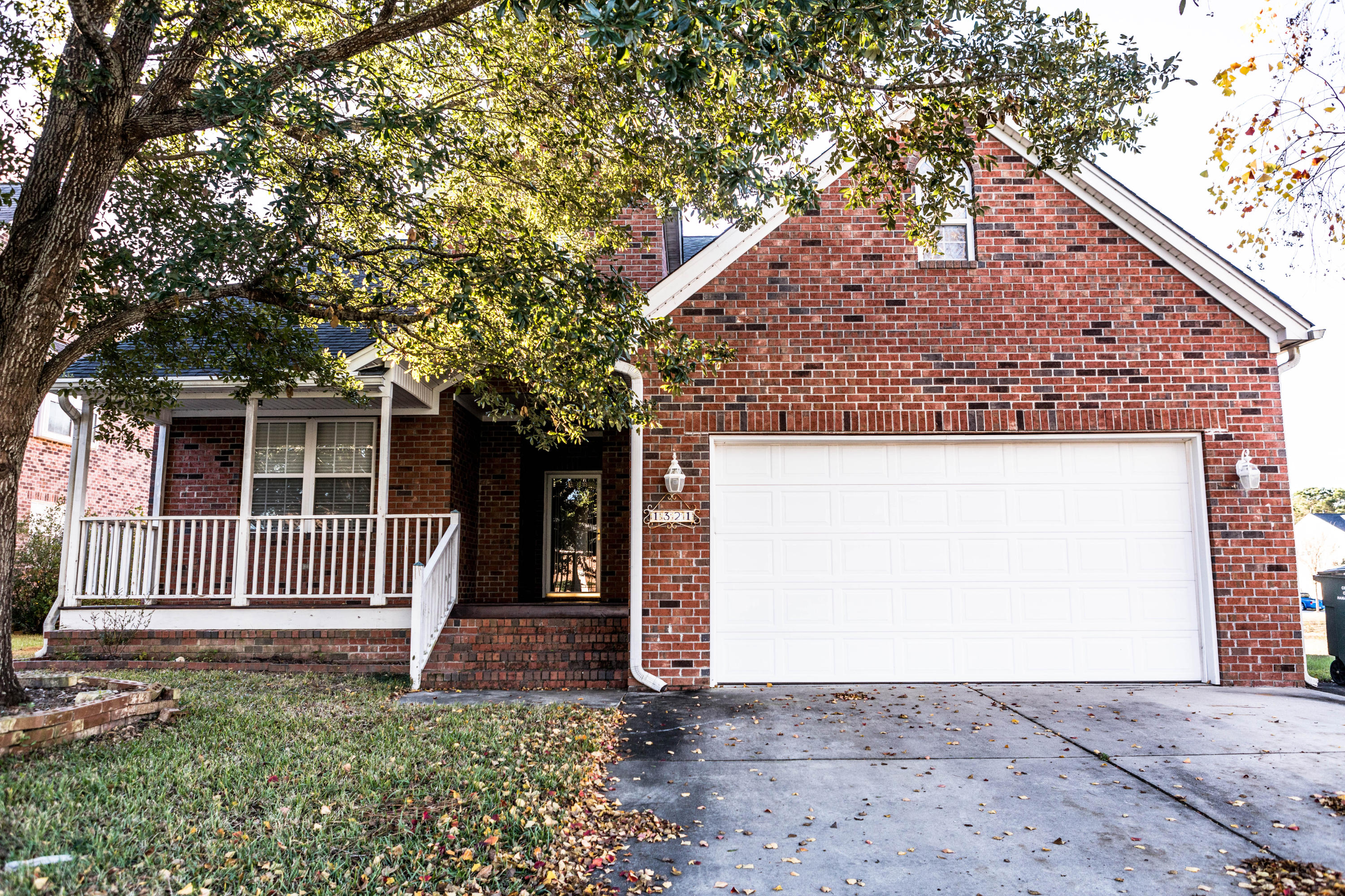 1321 Woodpecker Lane Hanahan, SC 29410