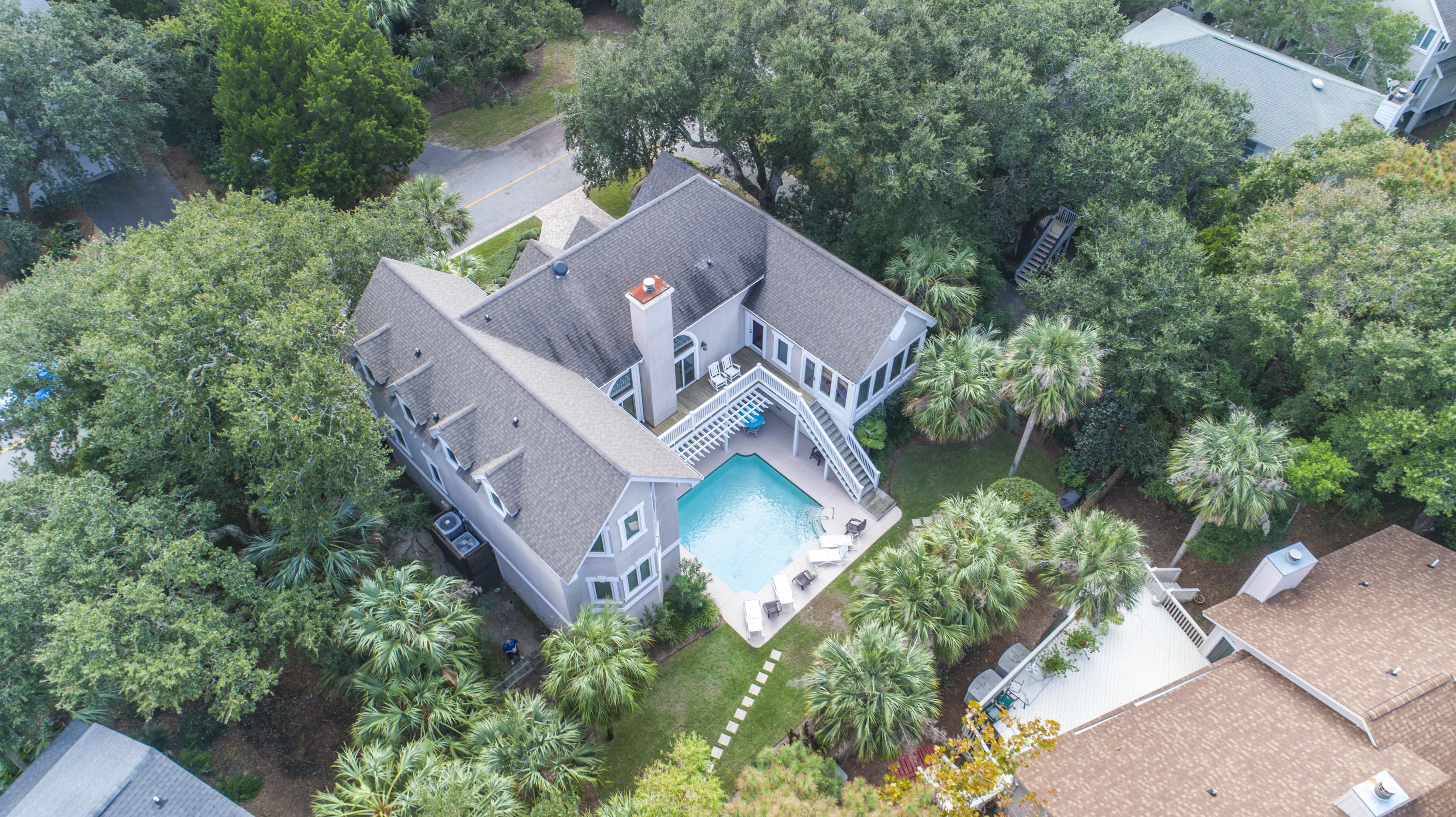 28 Beachwood W Isle Of Palms, SC 29451