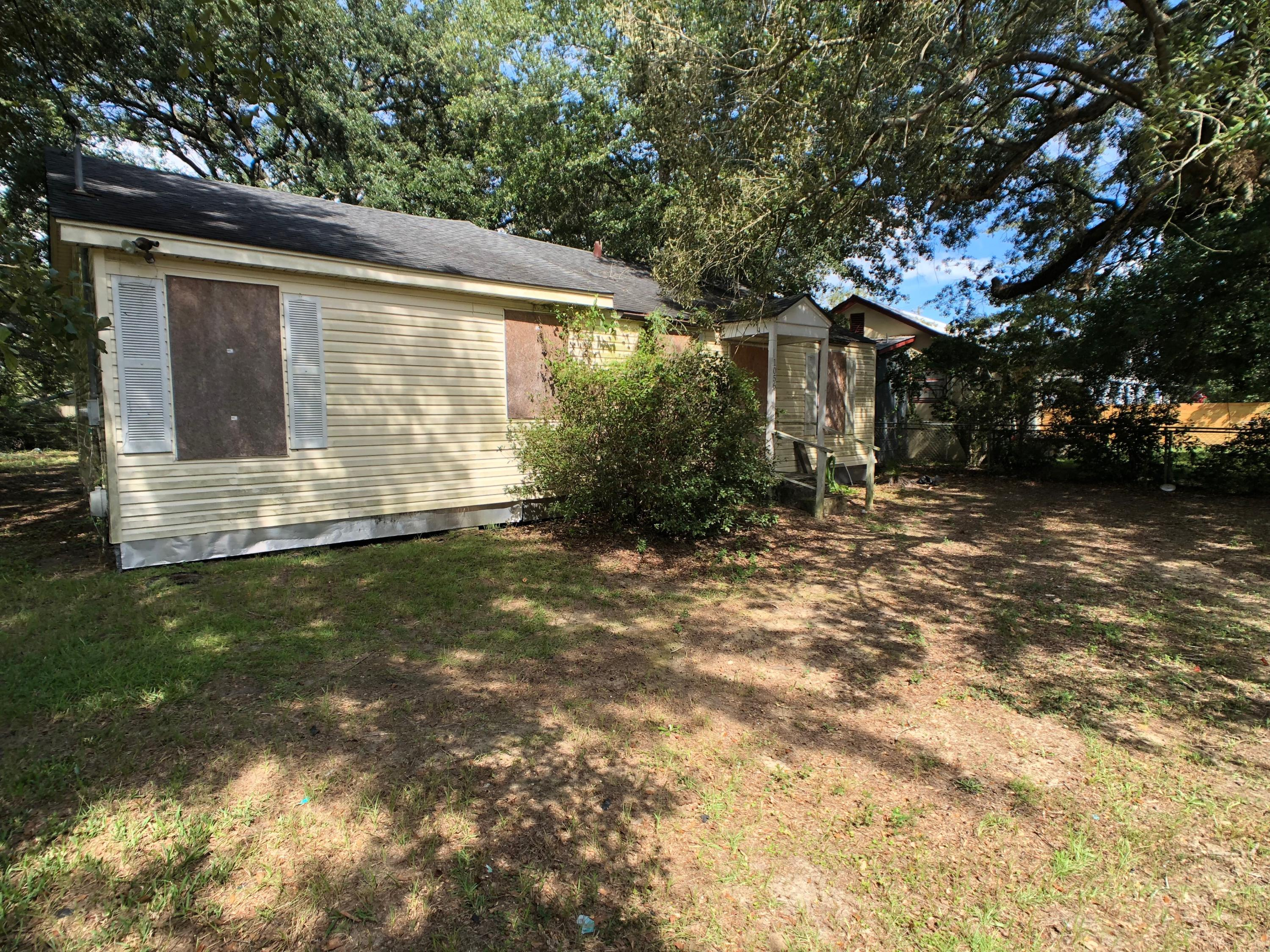 1056 Bexley Street North Charleston, SC 29405