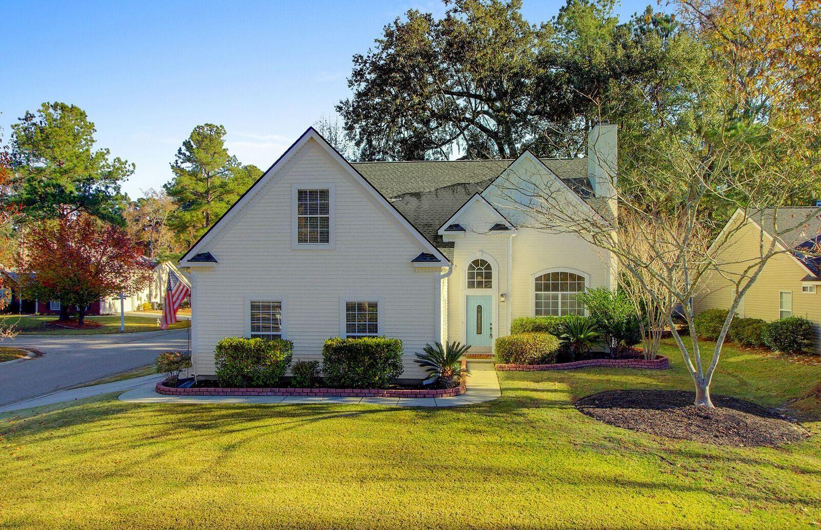 571 Pointe Of Oaks Road Summerville, SC 29485