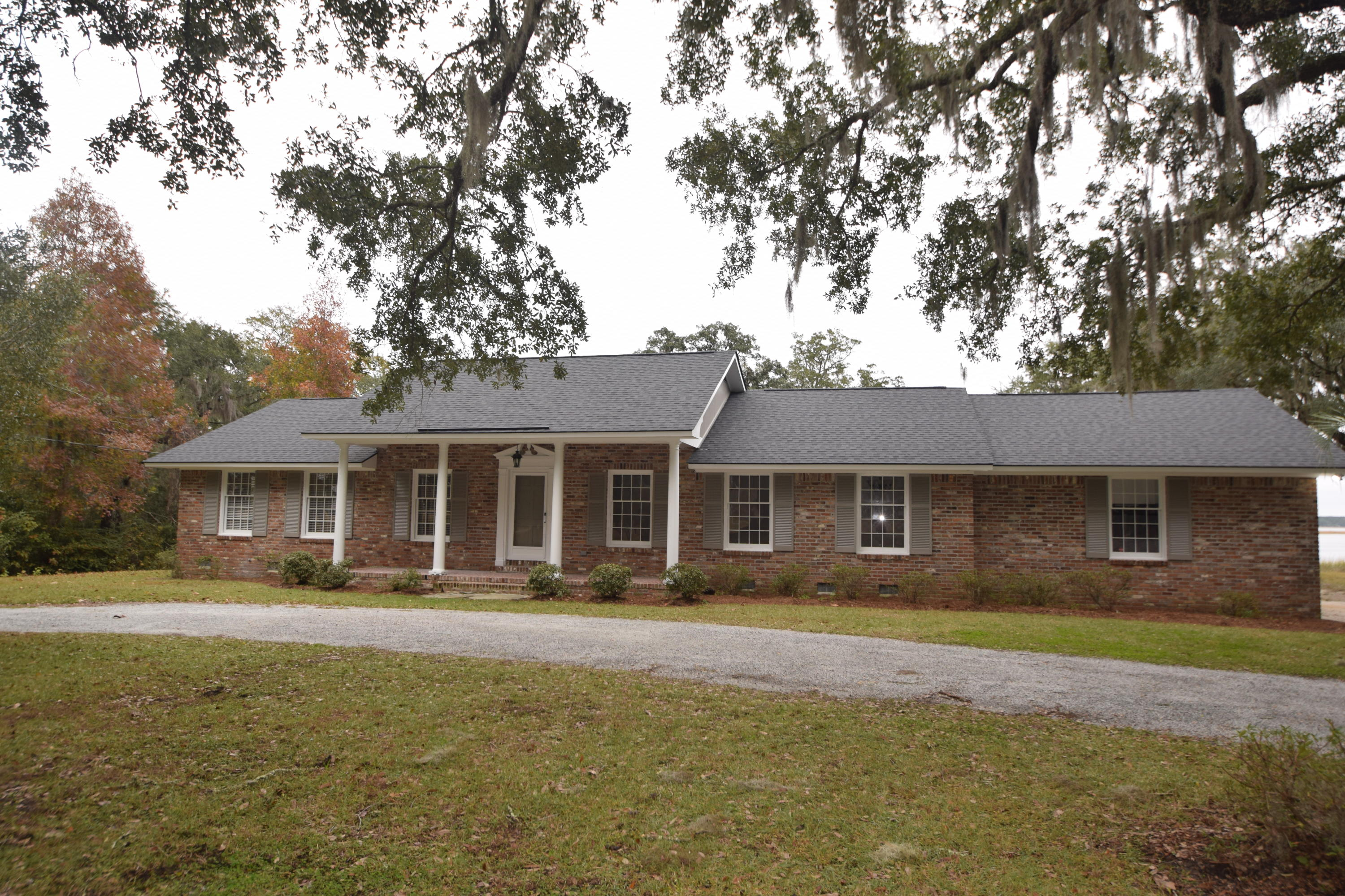 4627 Shark Hole Road Meggett, SC 29449