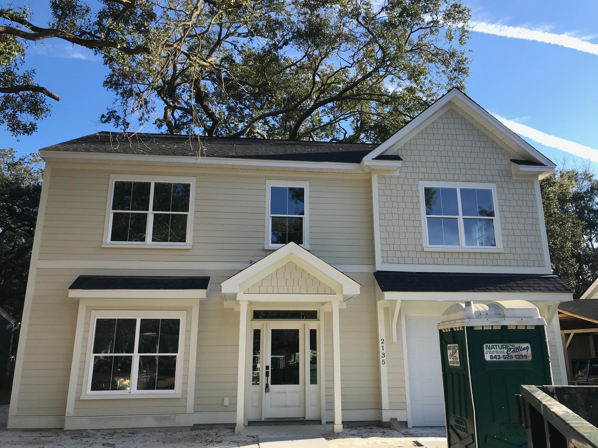 2135 Stonewood Drive Charleston, SC 29412