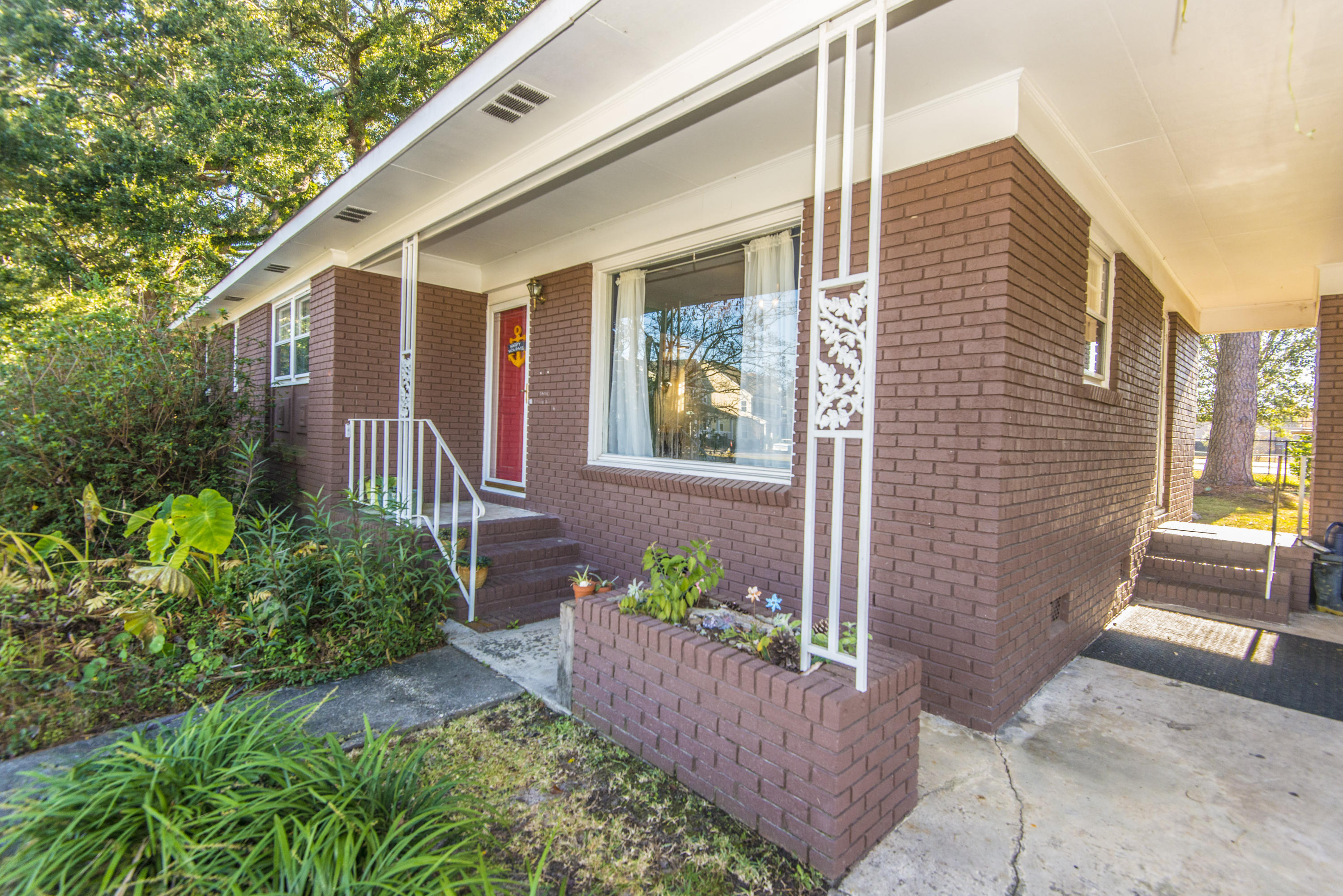 5077 Monterey Street North Charleston, SC 29405