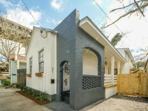 31 Poinsett Street, Charleston, SC 29403
