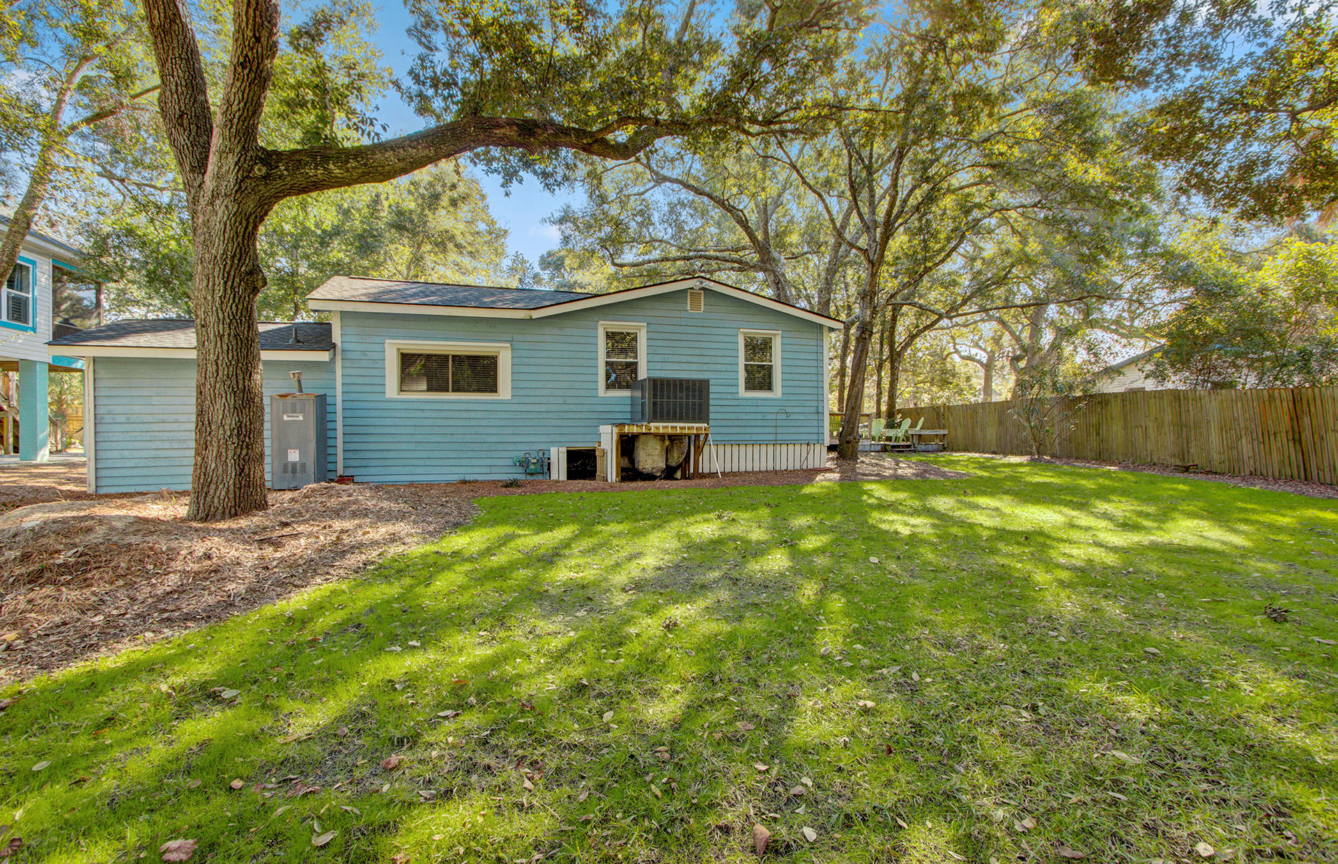 210 W Hudson Avenue Folly Beach, SC 29439