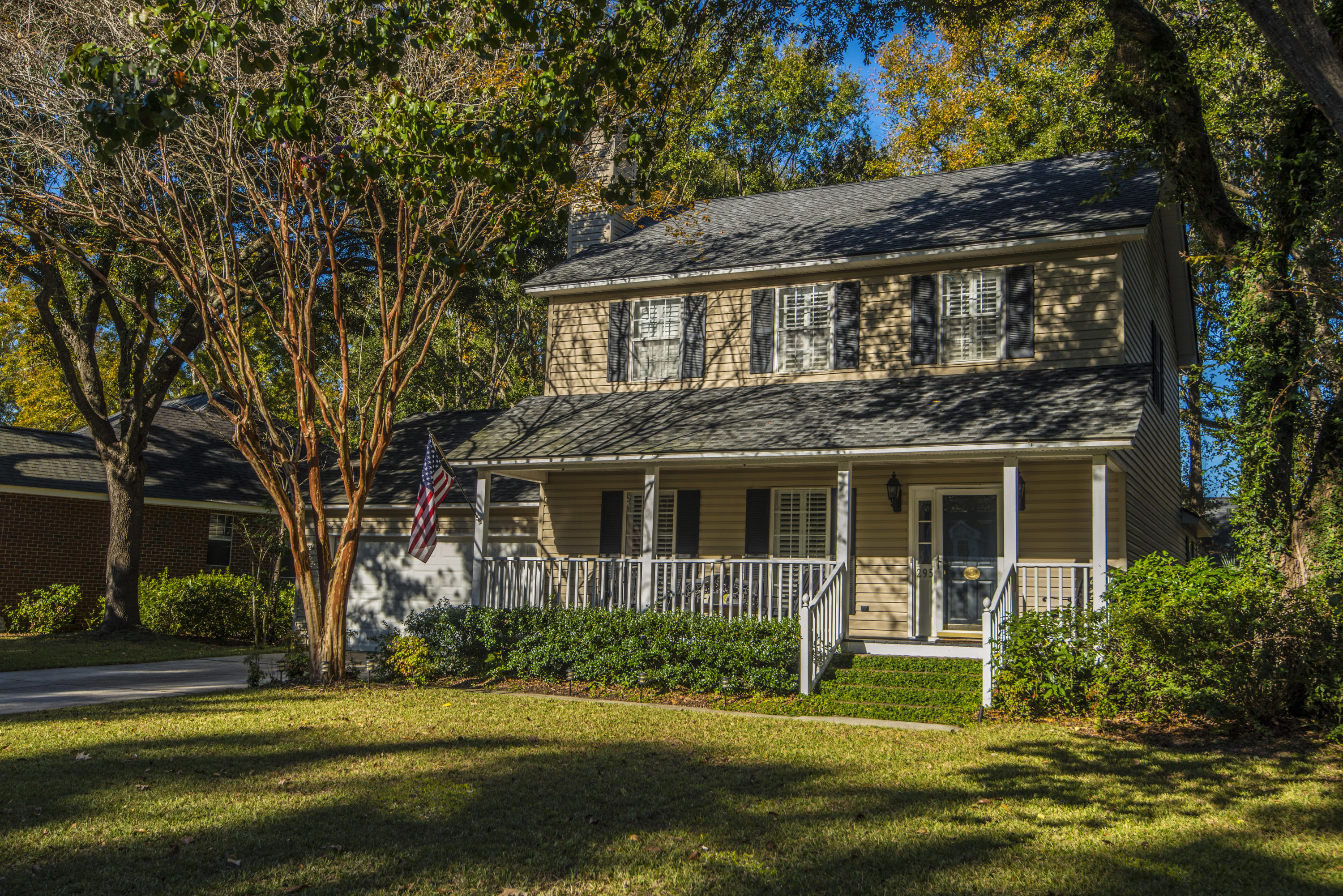 295 Mt Royall Drive Mount Pleasant, SC 29464