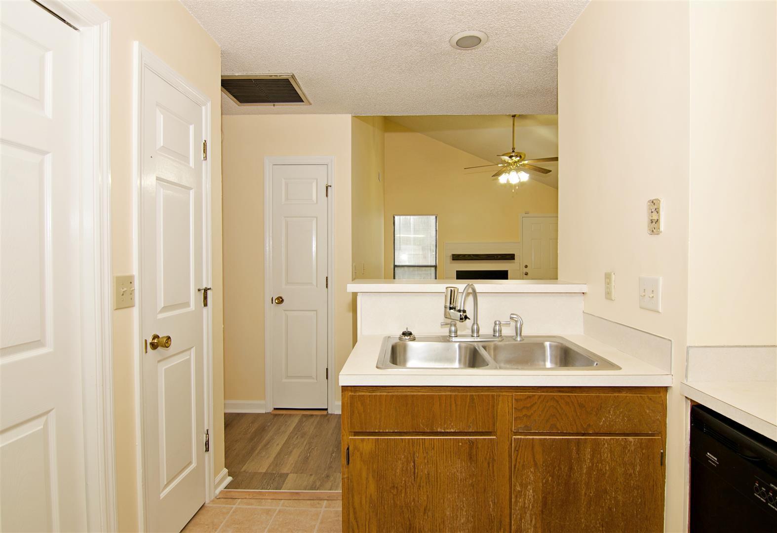 Shaftesbury Woods Homes For Sale - 931 Estates, Charleston, SC - 13