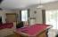 Huge open Rooms. Pool table in Breakfast Area
