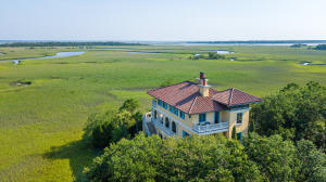 Property for sale at 24 Seagrass Lane, Isle Of Palms,  South Carolina 29451