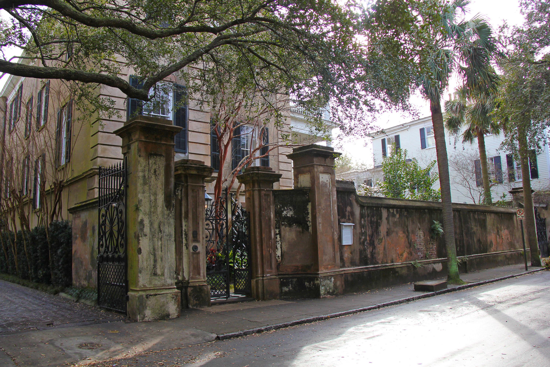 8 Legare Street Charleston, SC 29401